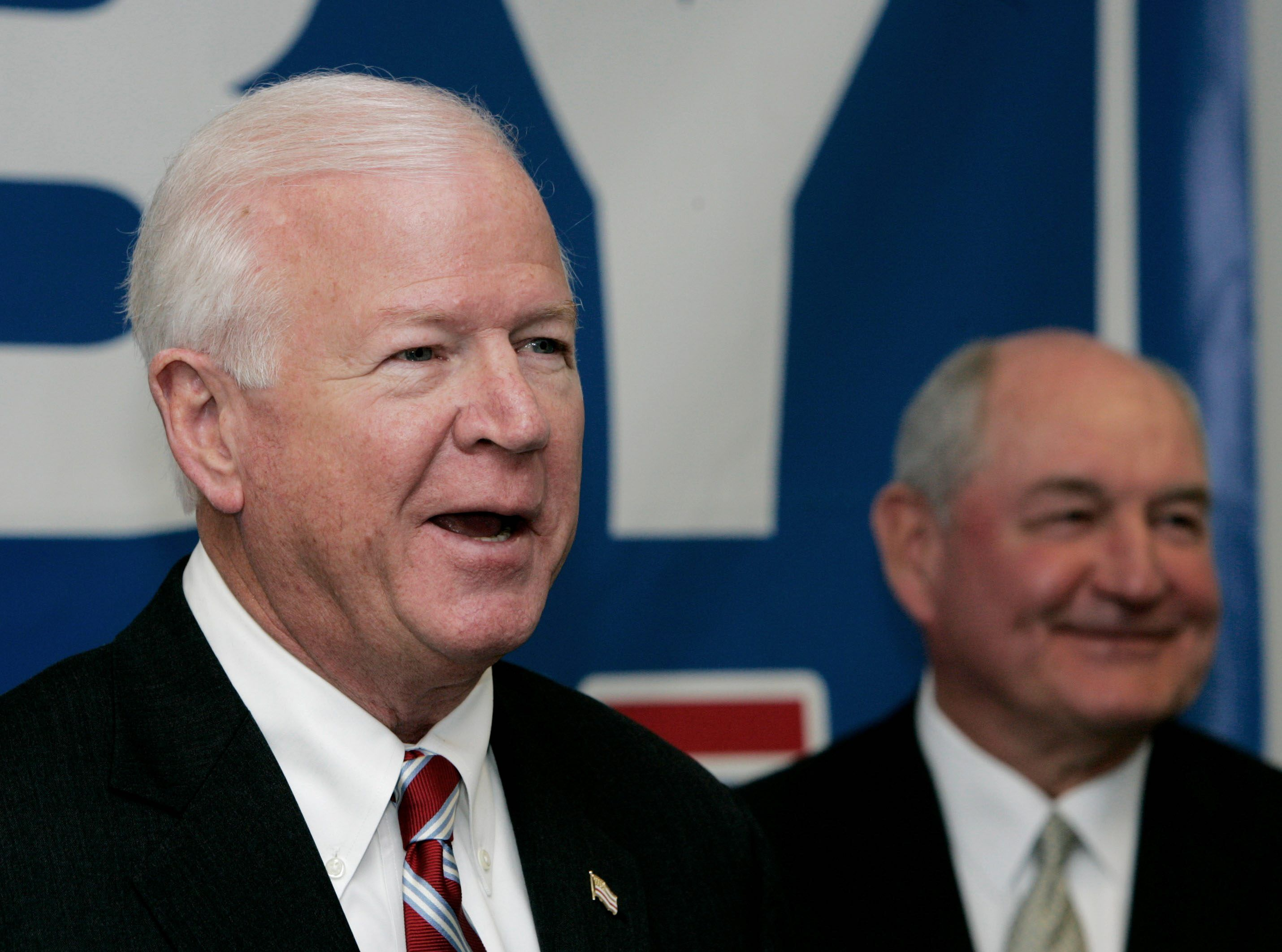 GOP hoping for Senate gains tread carefully around Tea Party