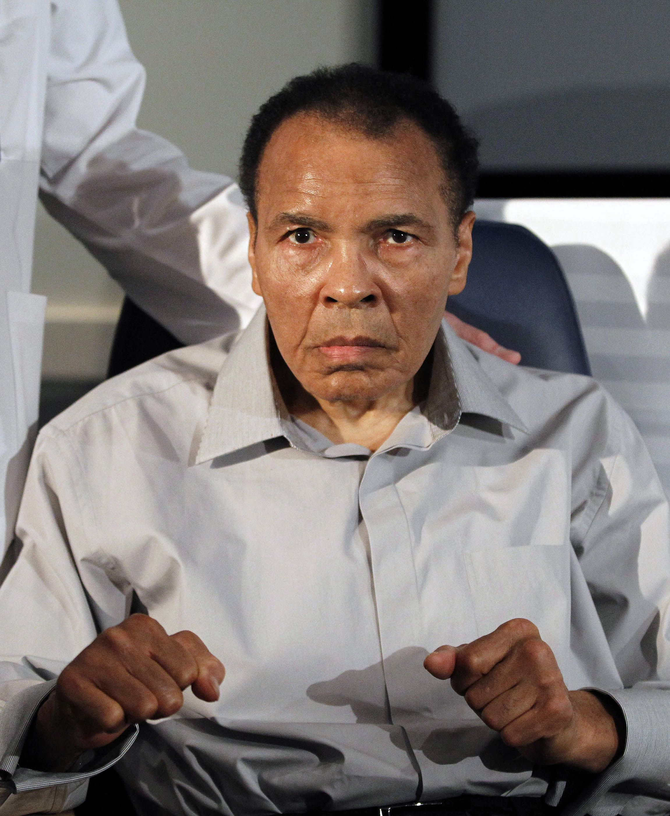http://media.washtimes.com/media/image/2012/09/13/people-muhammad-ali_lea.jpg
