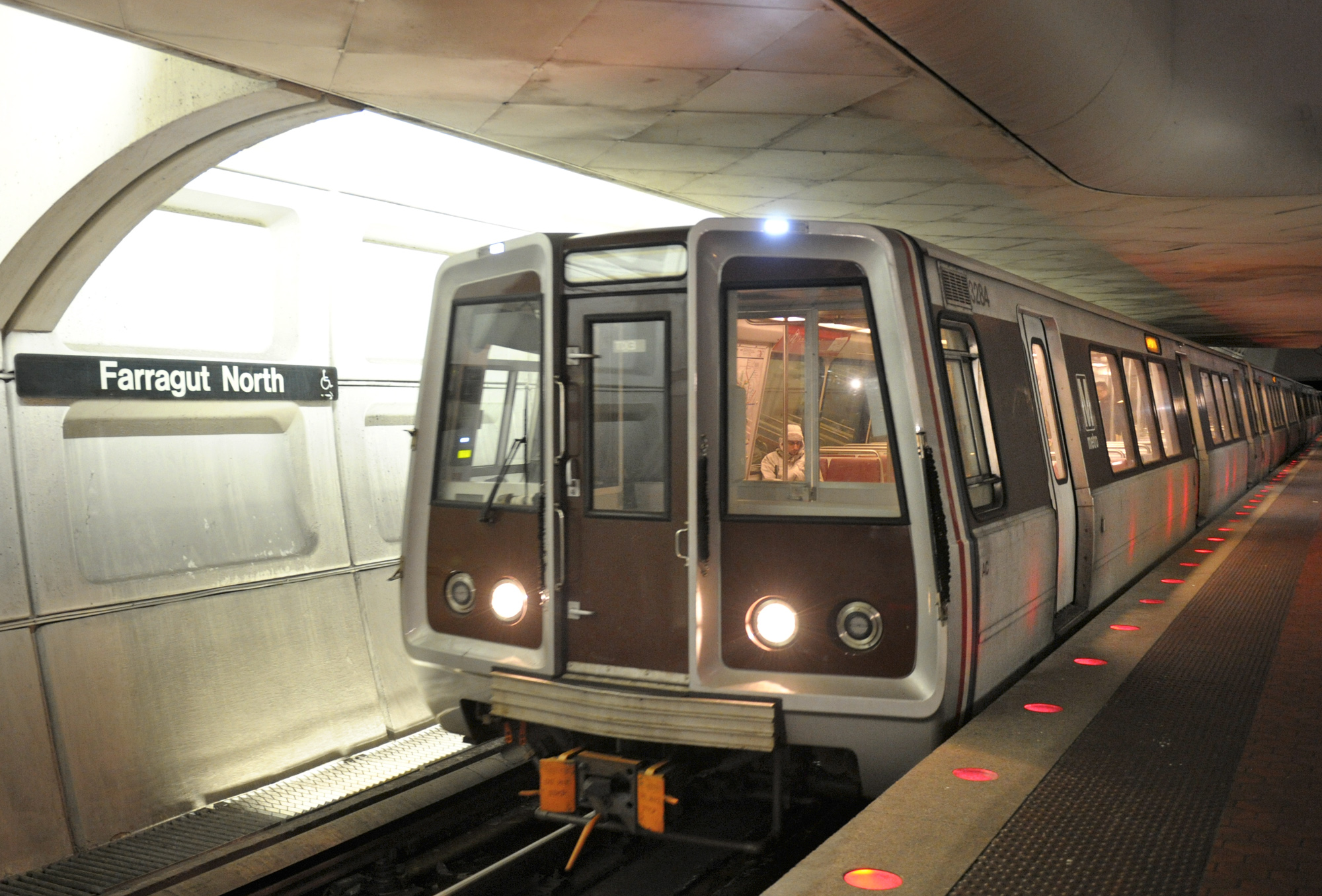 Even with big salaries, Metro can't fill its jobs