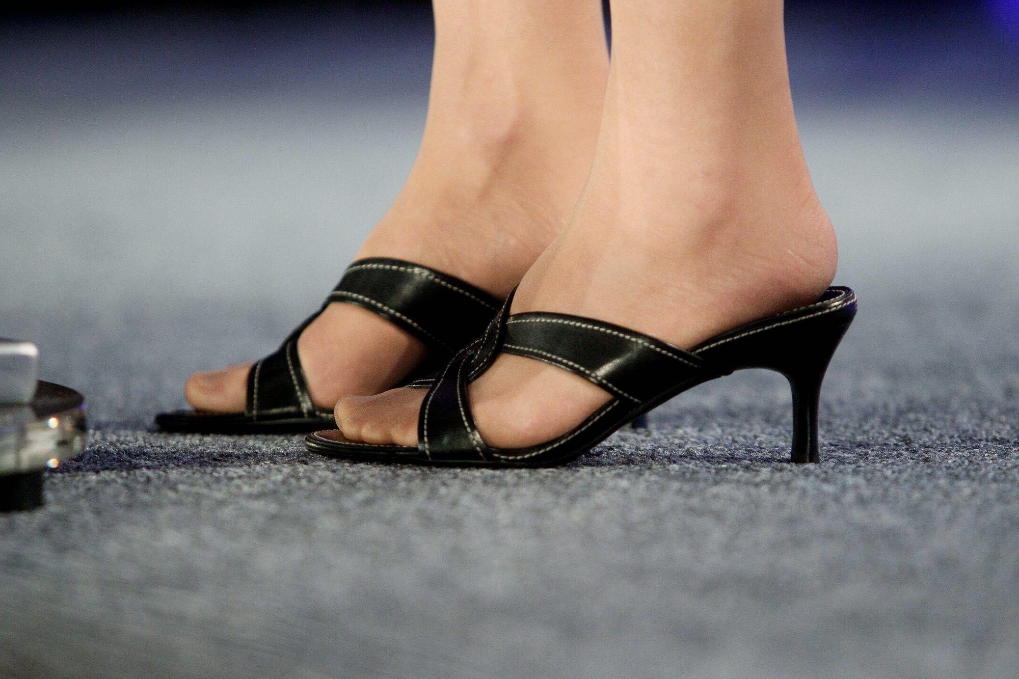 Sarah Palin Pantyhose Legs 77
