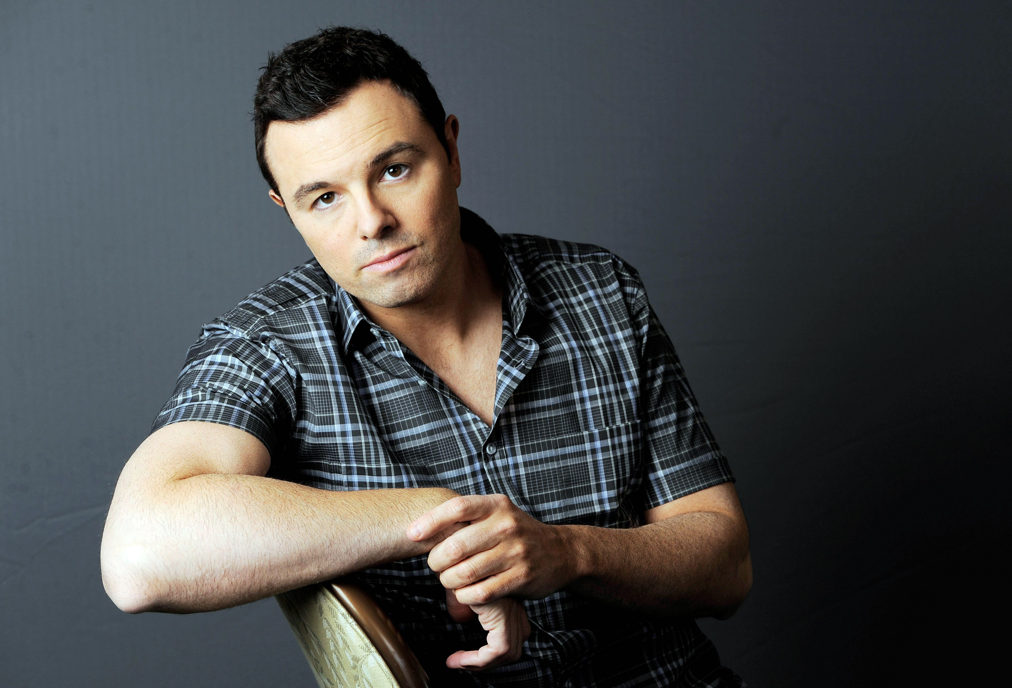 Seth MacFarlane: Democrats can't resist Trump's outrage bait, constantly 'fall for it'