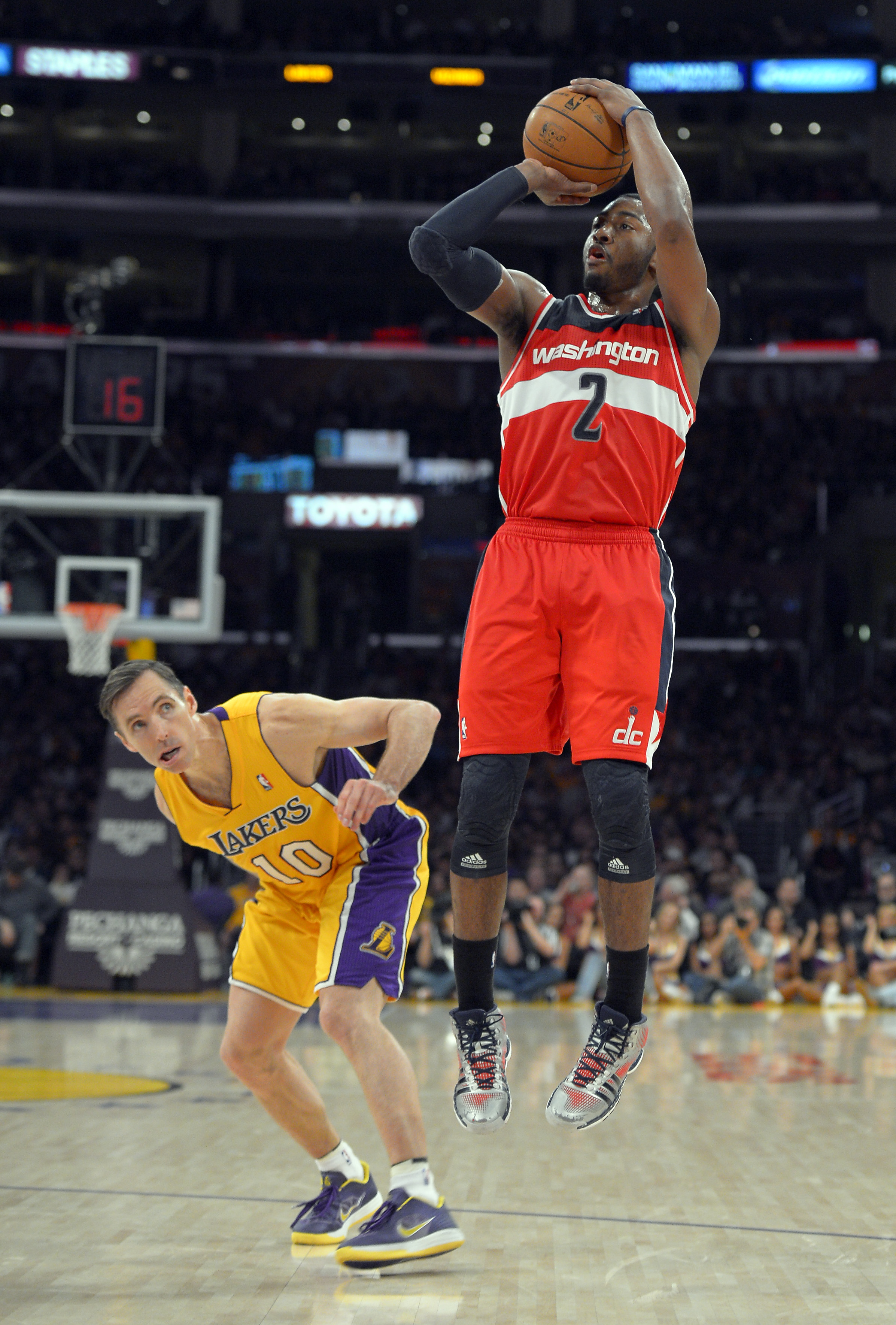 Trevor Ariza John Wall Lead Wizards To Victory Over Lakers