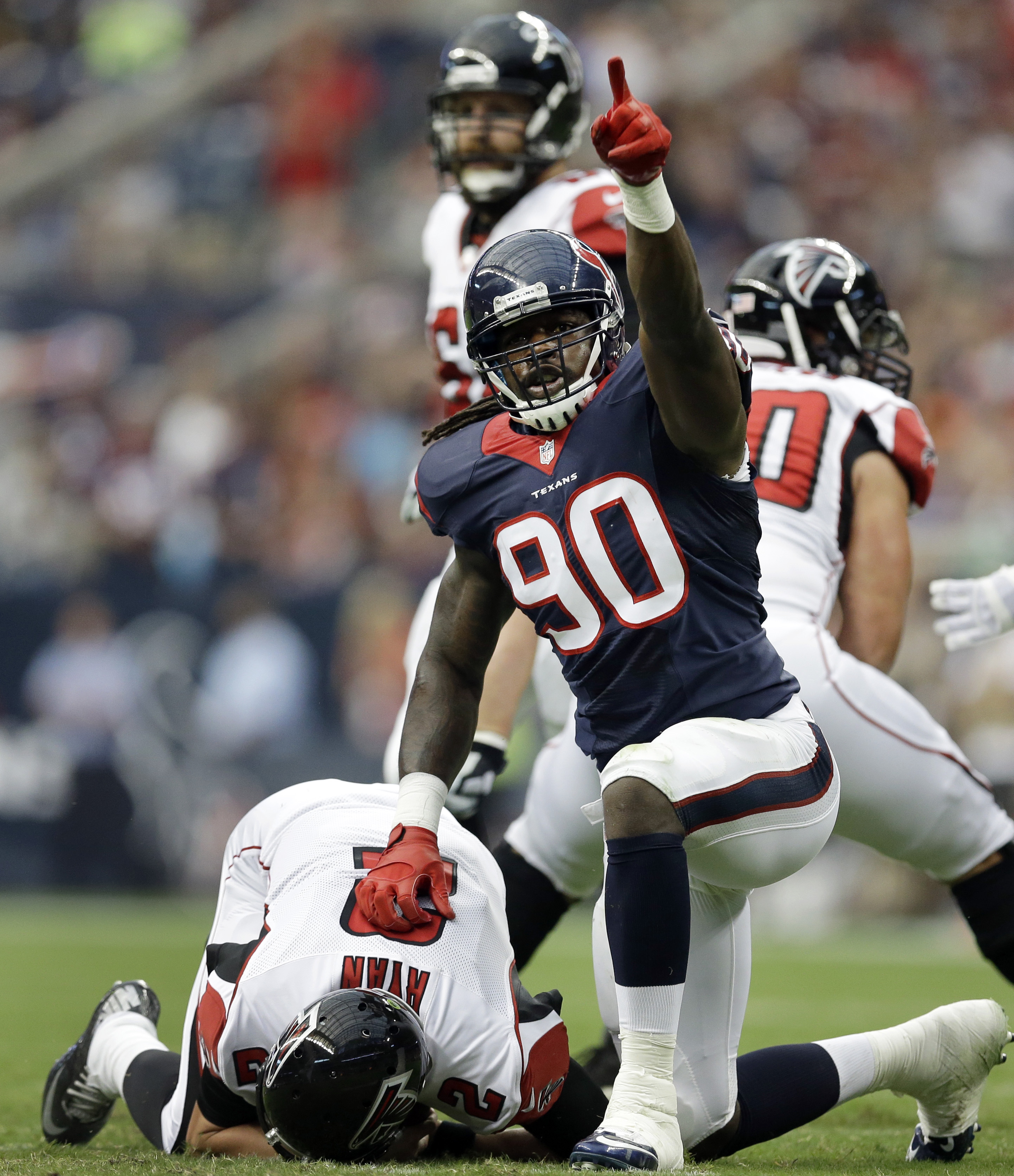 Jadeveon Clowney says he had concussion in preseason will play vs