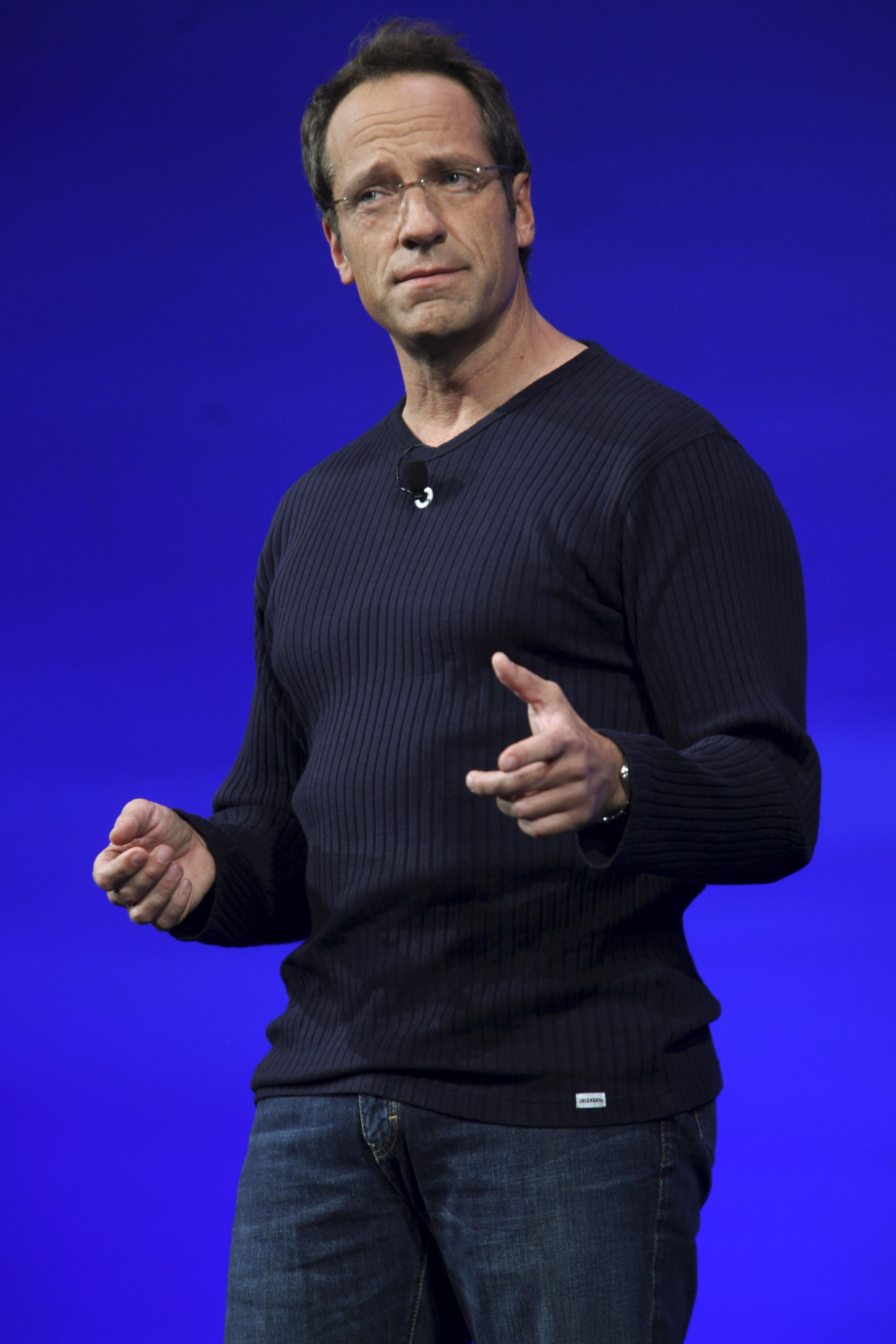 Mike Rowe rips 'smug' reader for 'white nationalist' insinuation, attack on Republicans