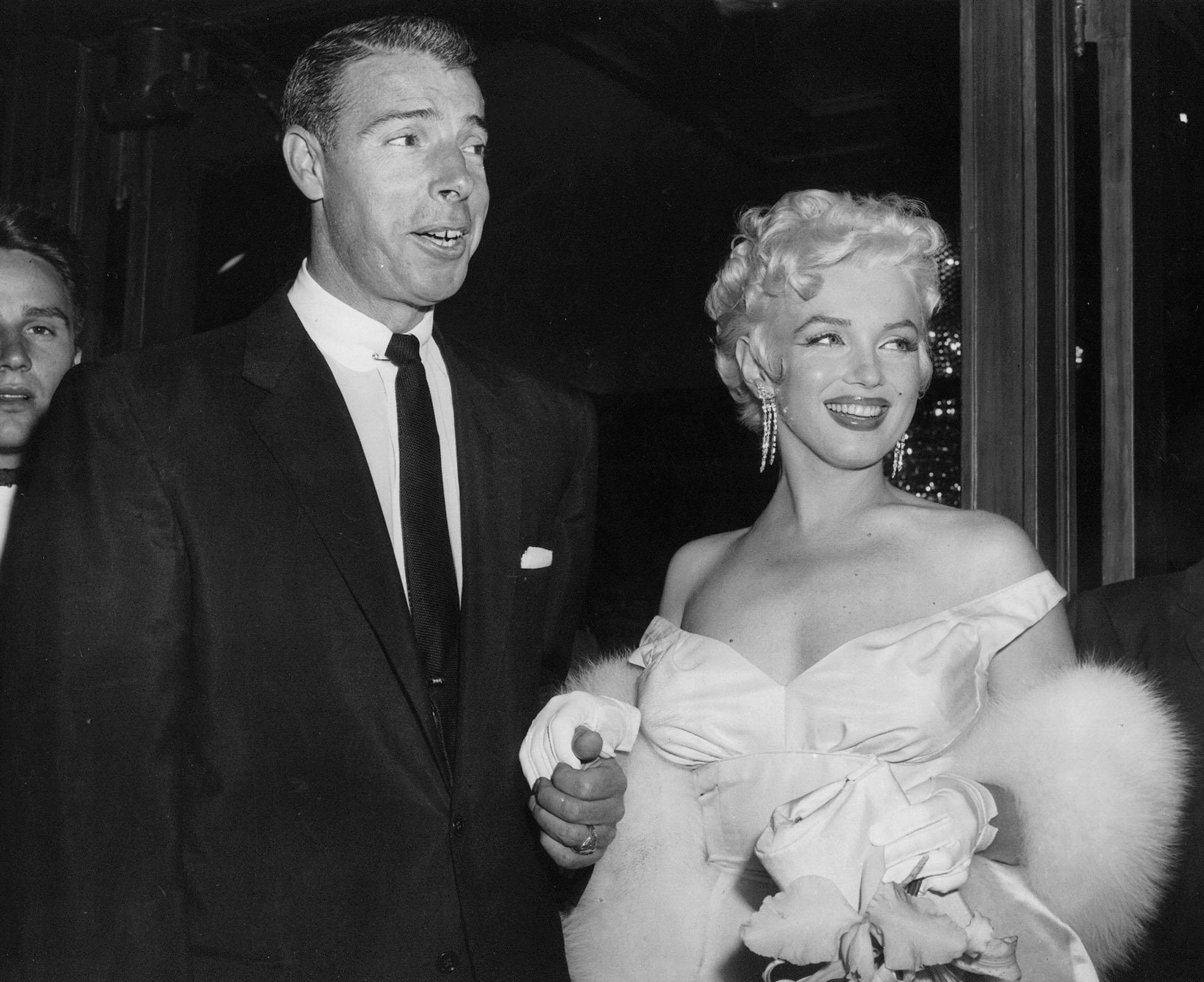 Joe DiMaggios love letter to Marilyn Monroe auctioned for 78K