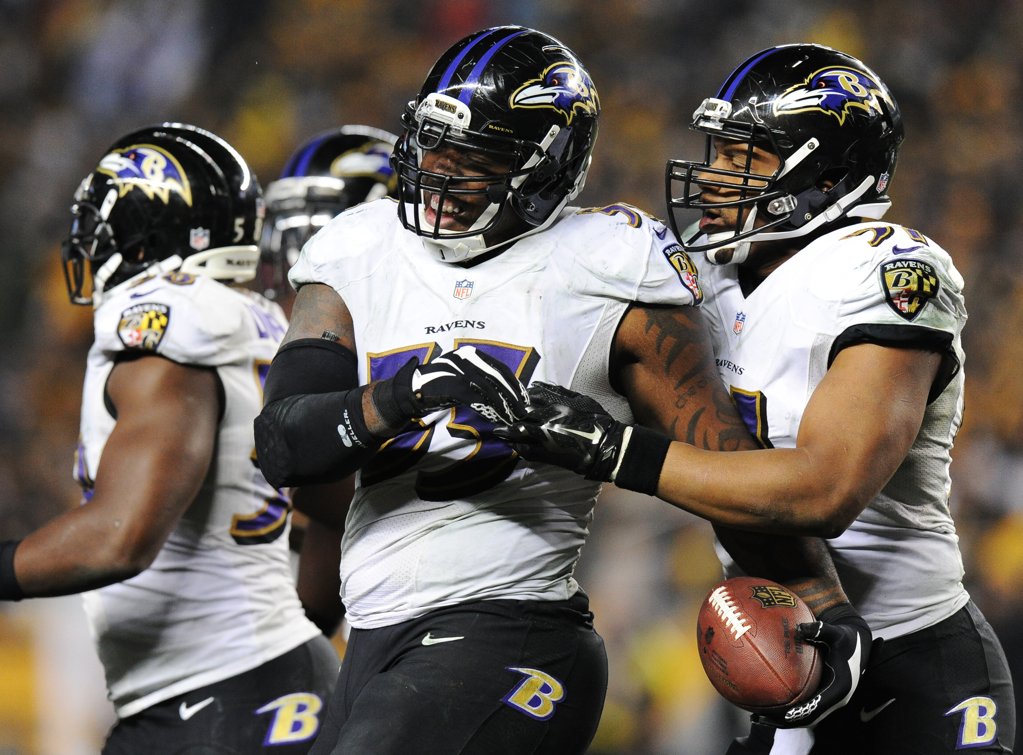 Terrell Suggs filling leadership role with Ravens after Ray Lewis