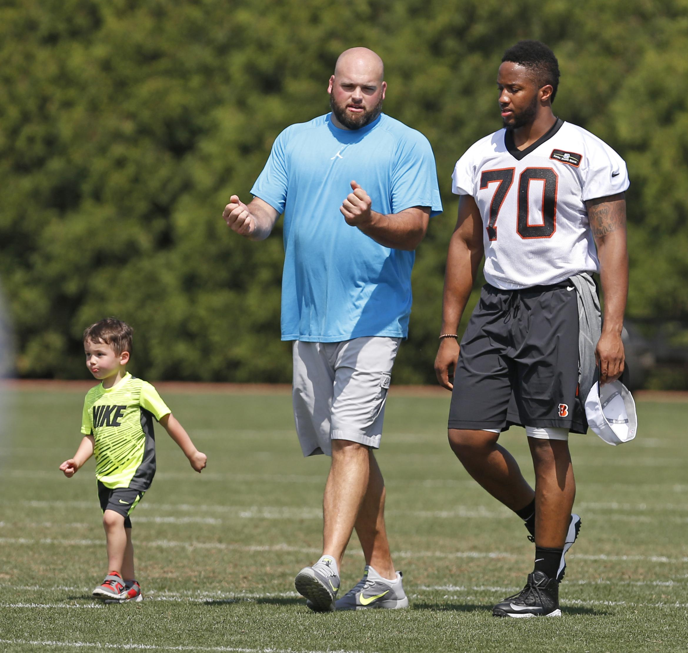 Andrew Whitworth talks to Bengals owners about future Washington