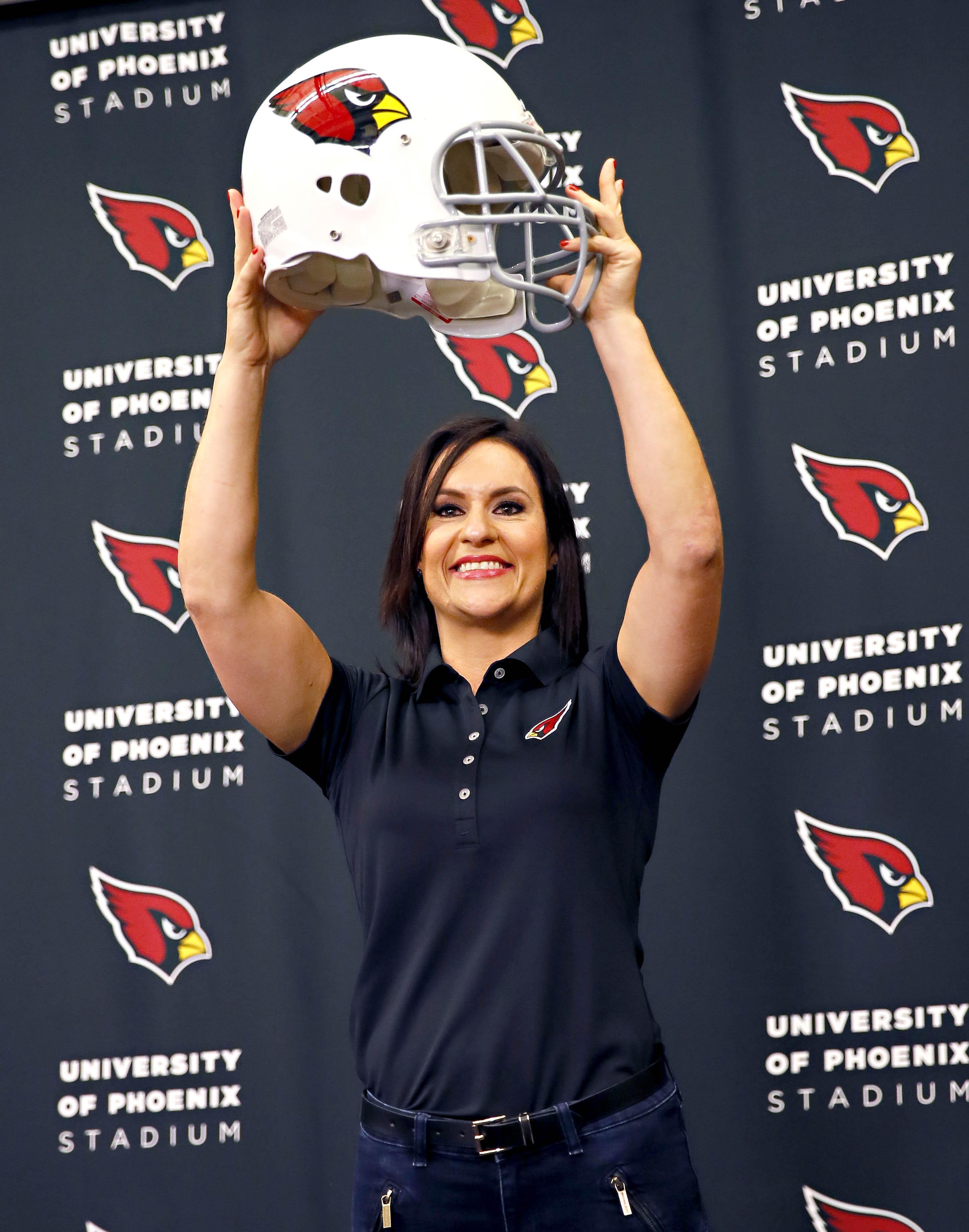 Dr Jen Embraces Breakthrough Role With Arizona Cardinals Washington Times