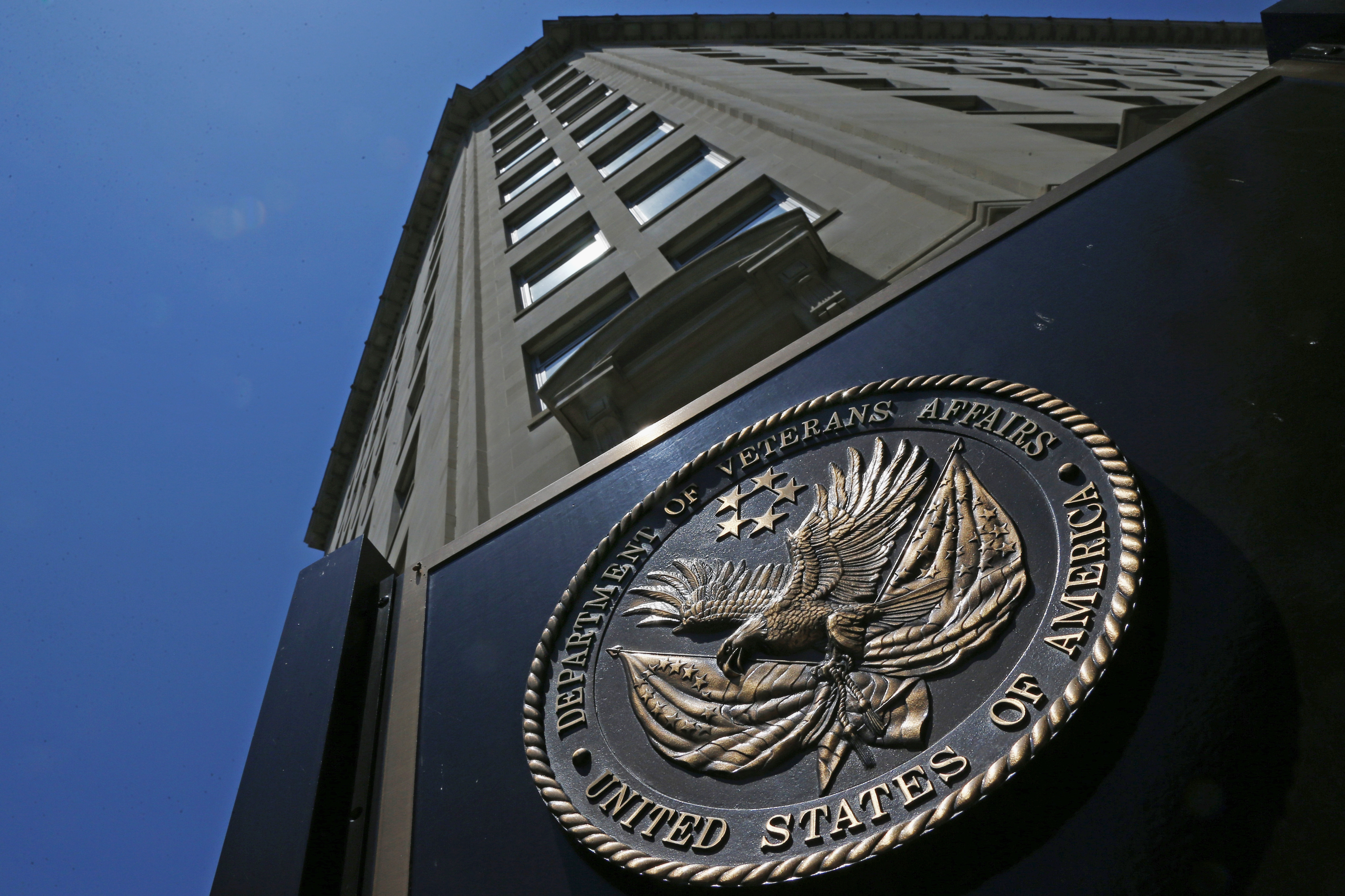 nearly one in 10 va registered nurses quit in 2014 gao says