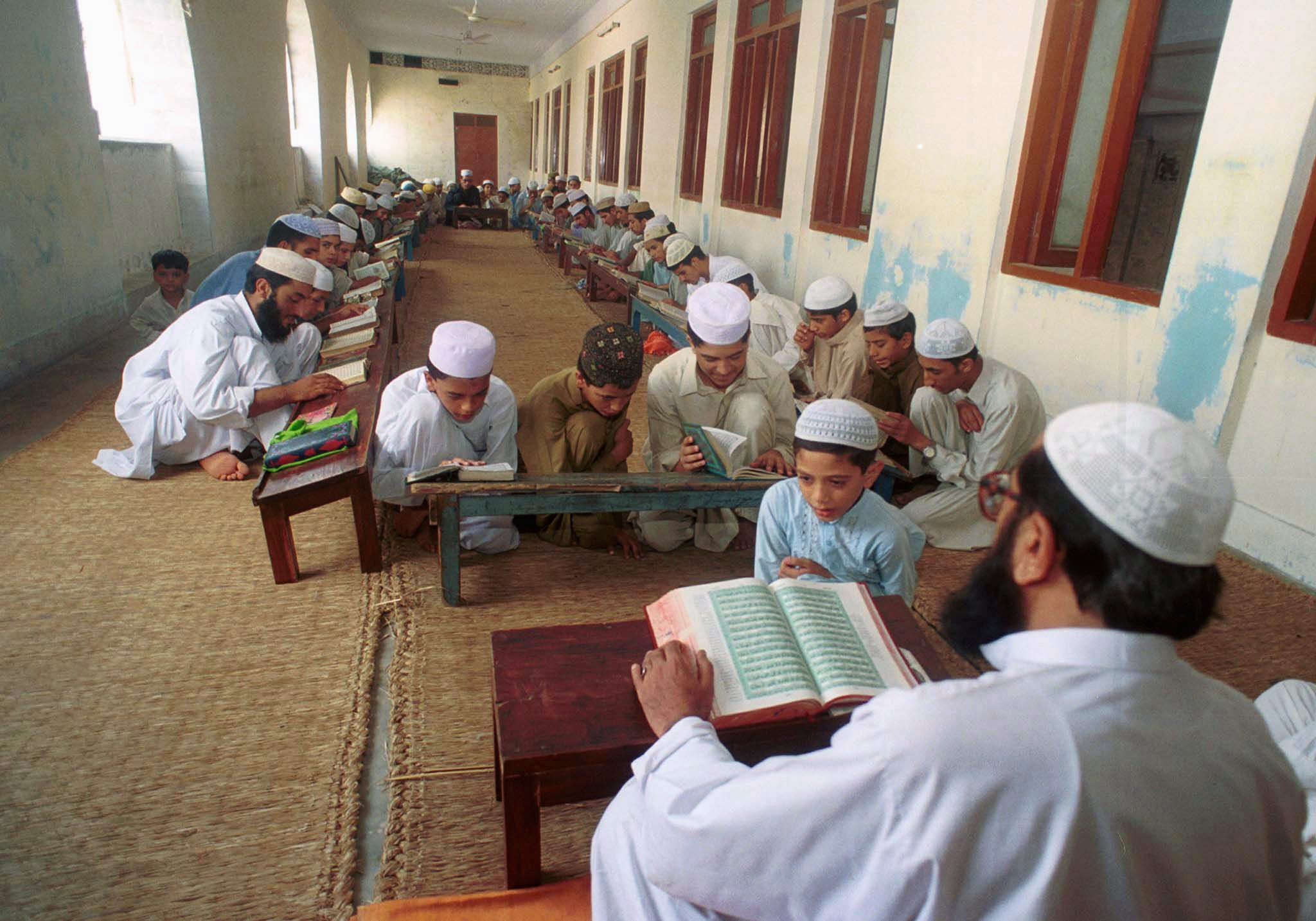 Картинки по запросу pakistani madrasa