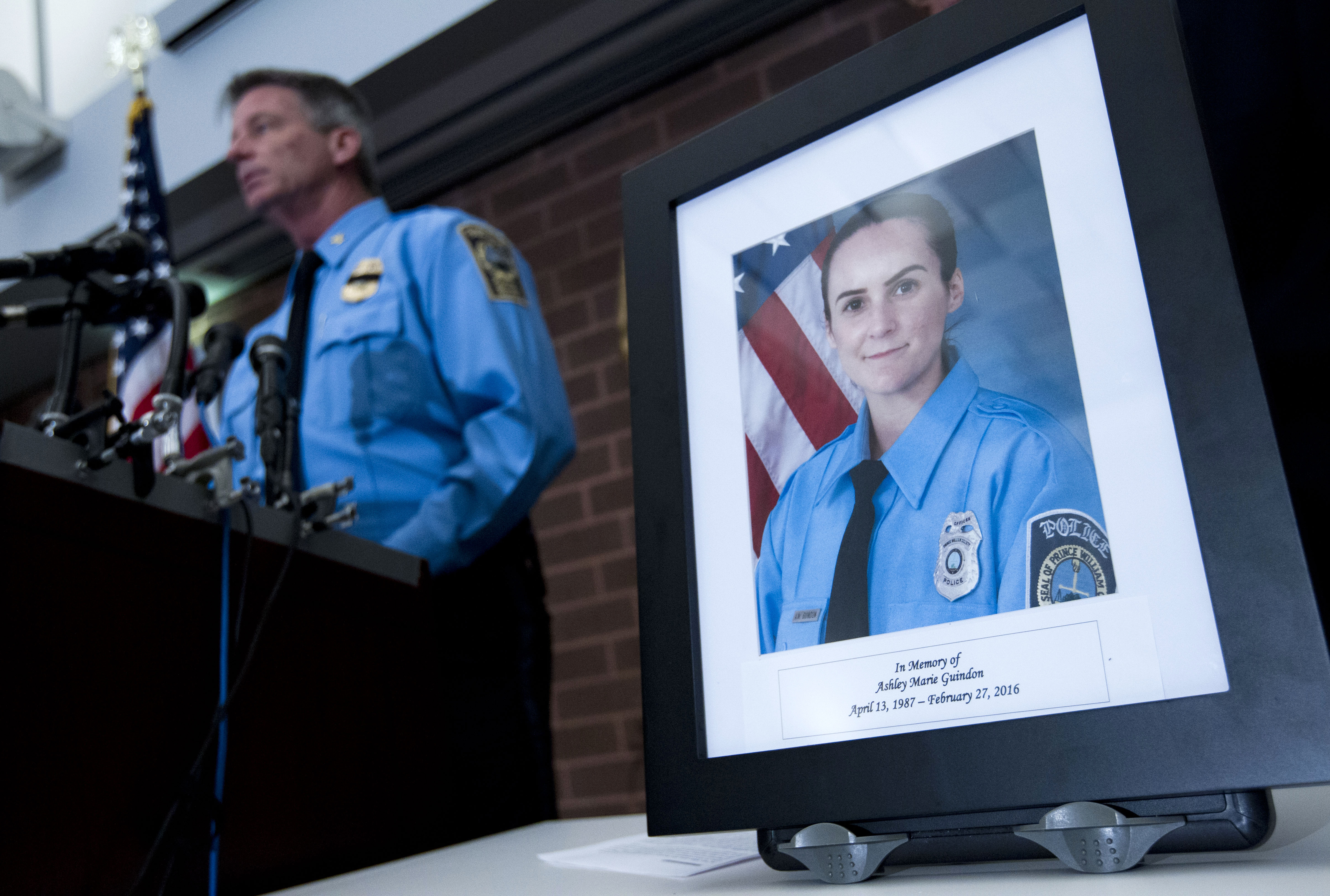 police officer shooting deaths on rise in 2016 amid anti law