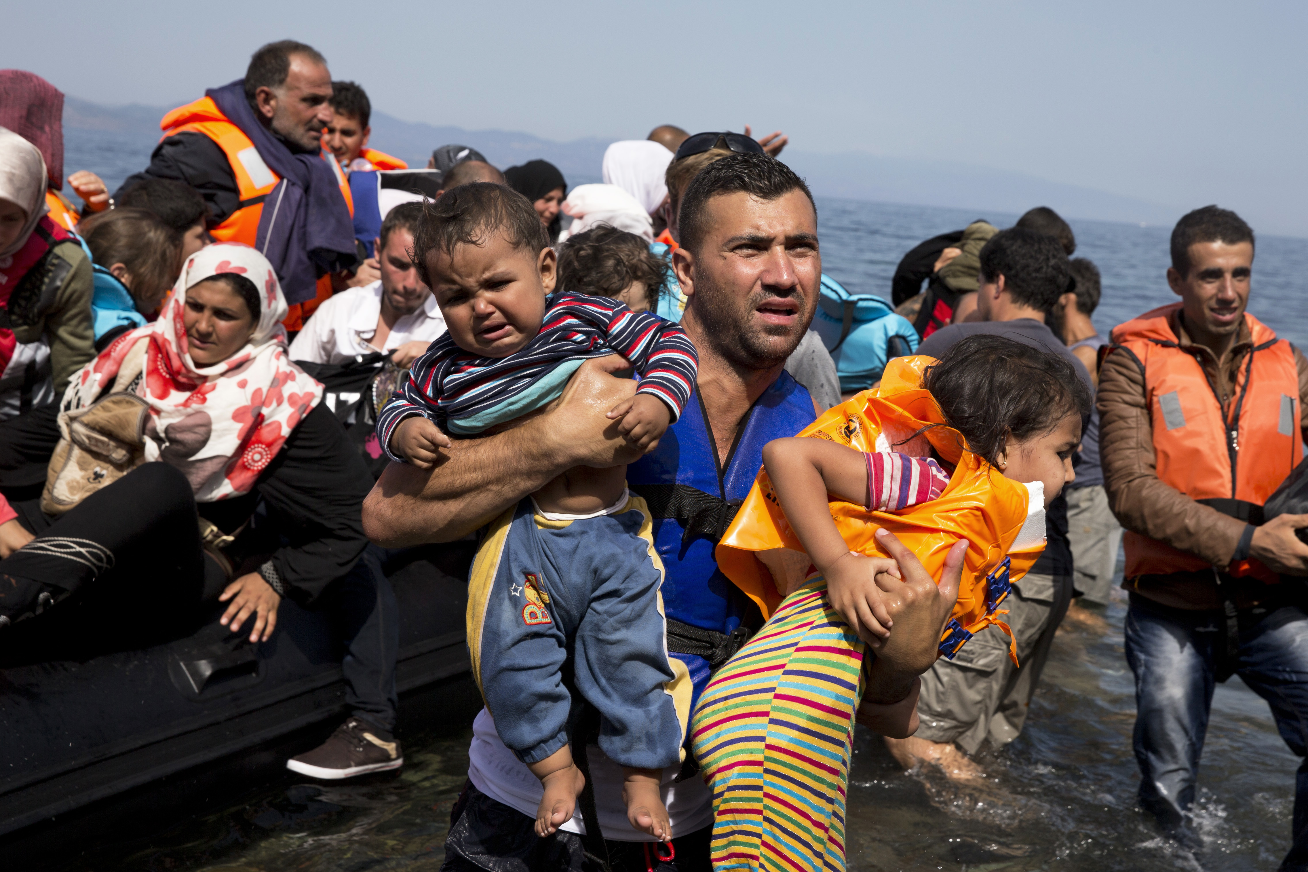 court rules states have to accept syrian refugees - washington times