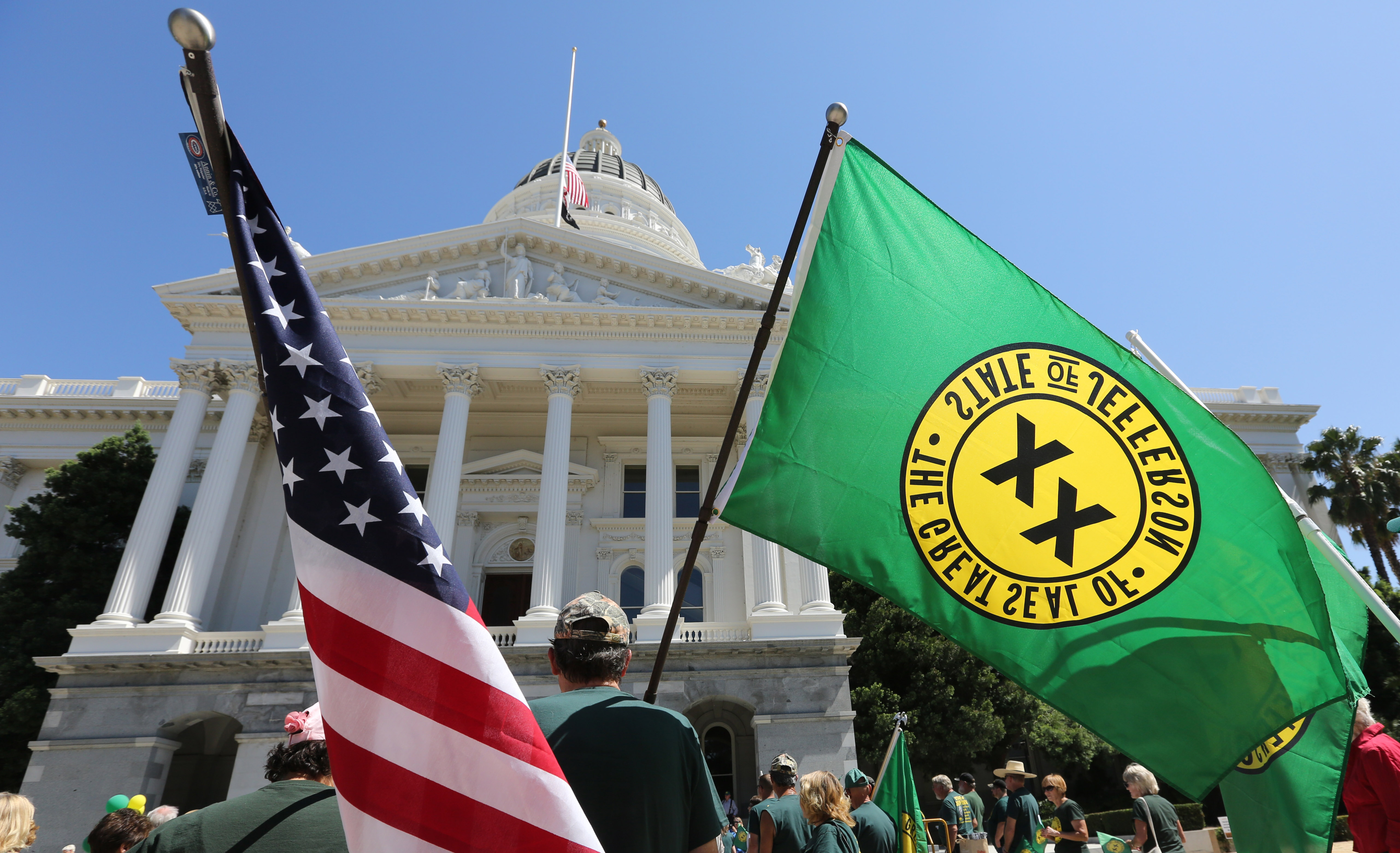 Secessionists exploit red states' 'deep hatred for California' in bid to exit union