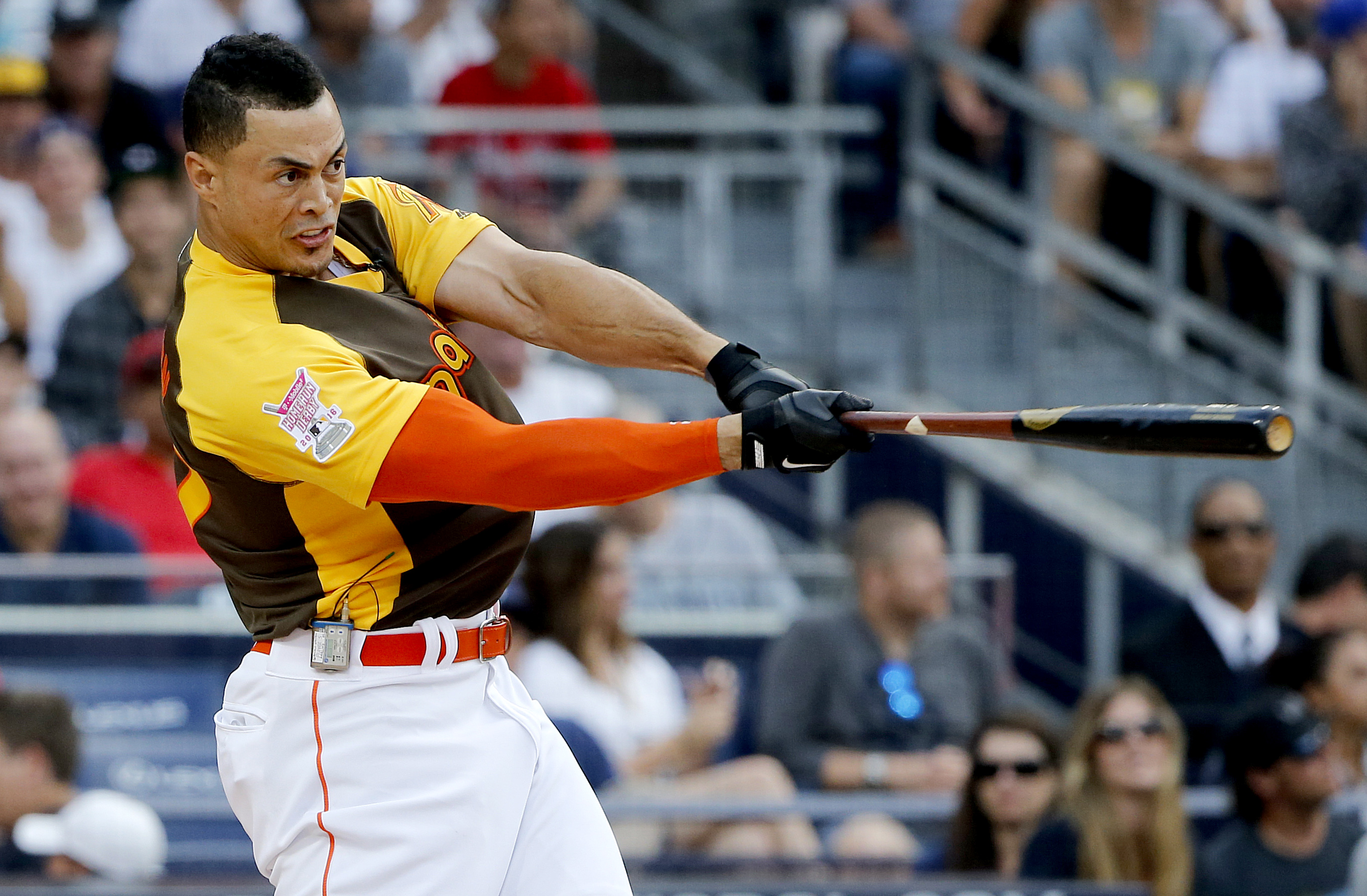 Giancarlo Stanton beats Todd Frazier to win All Star Home Run