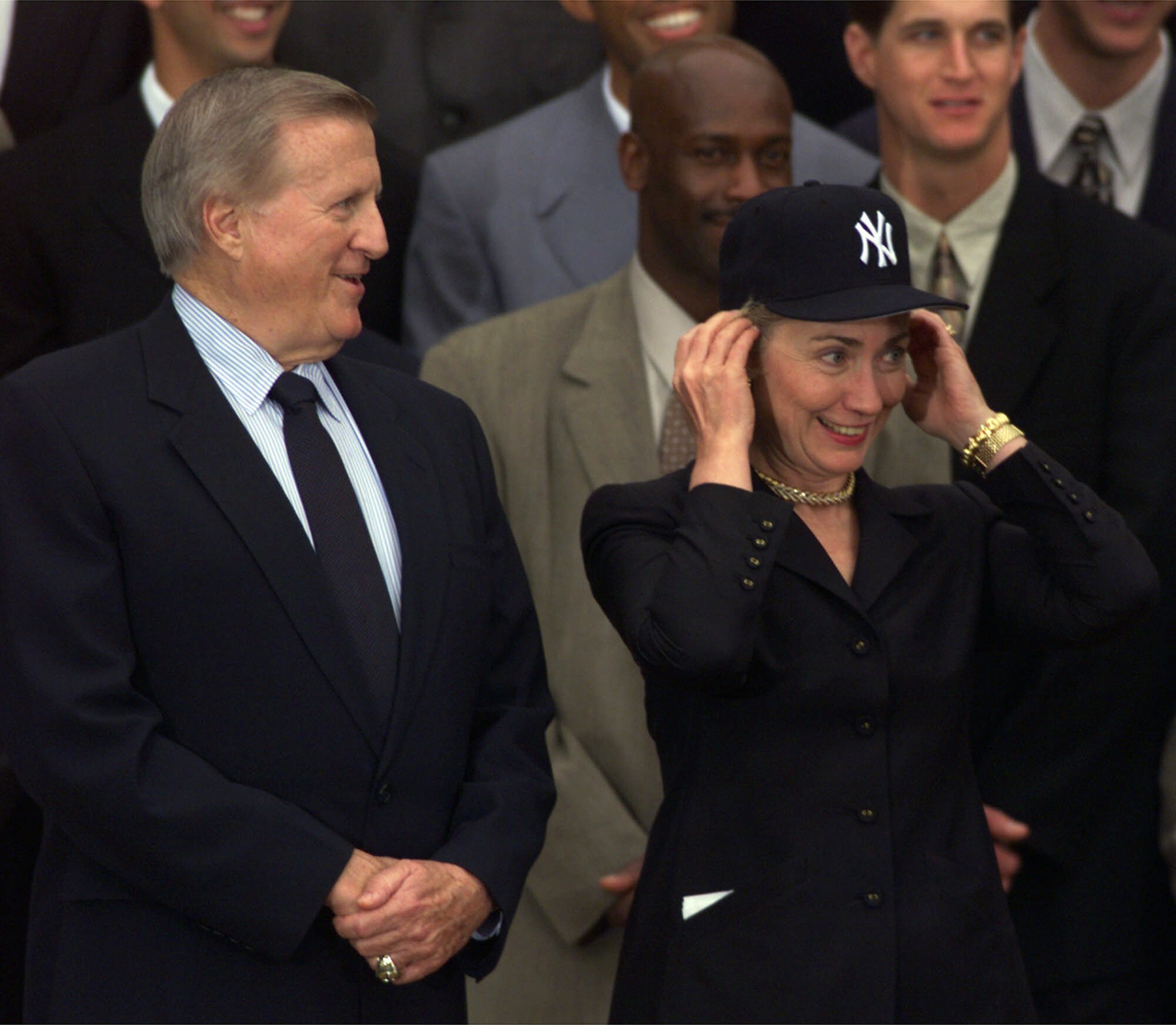 Hillary Clinton Back On Cubs Bandwagon After Years As Yankees Fan Washington Times
