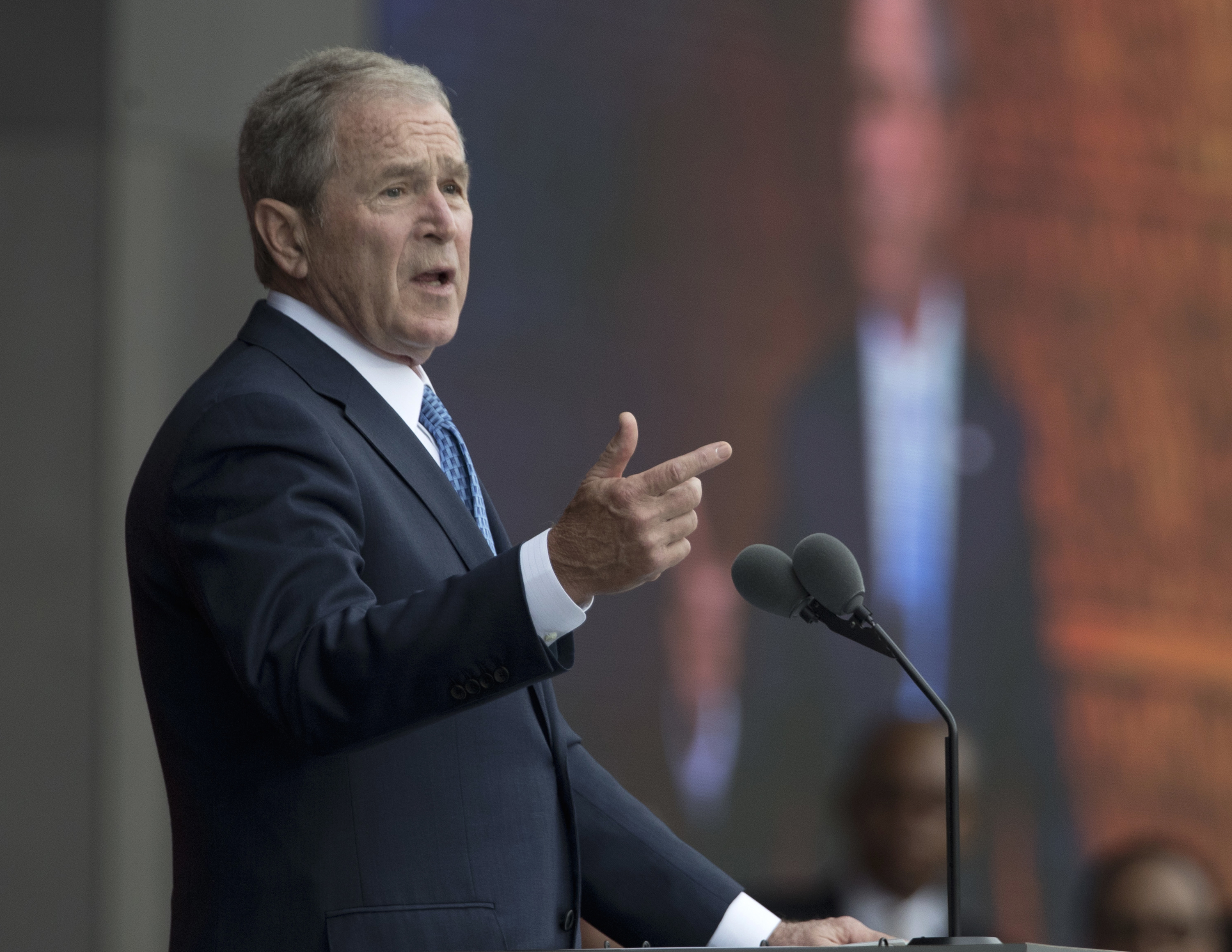 George W. Bush undercuts Donald Trump after staying silent on Barack ...
