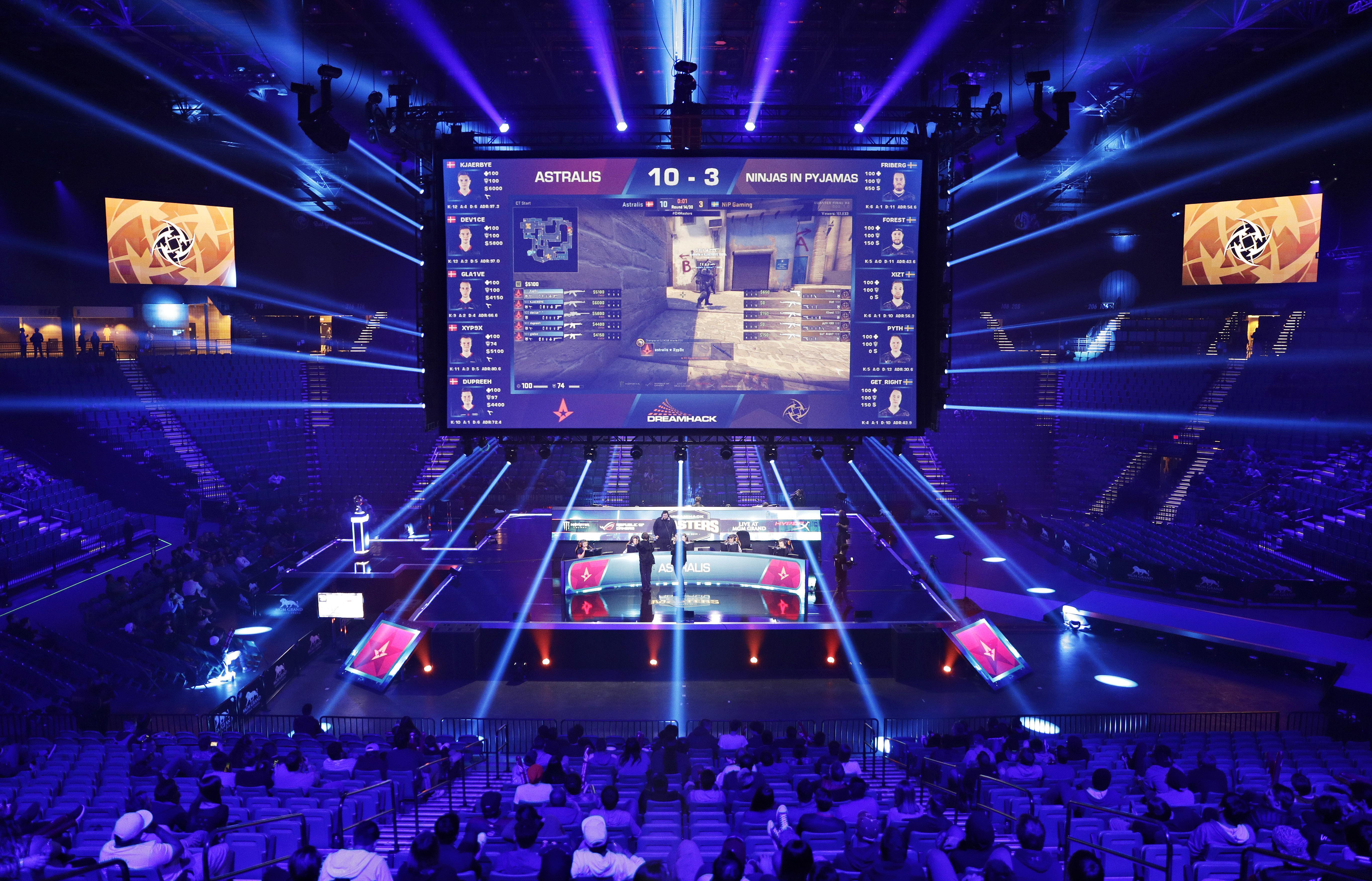Vegas Strip Getting Esports Arena With Nightclub Overhaul