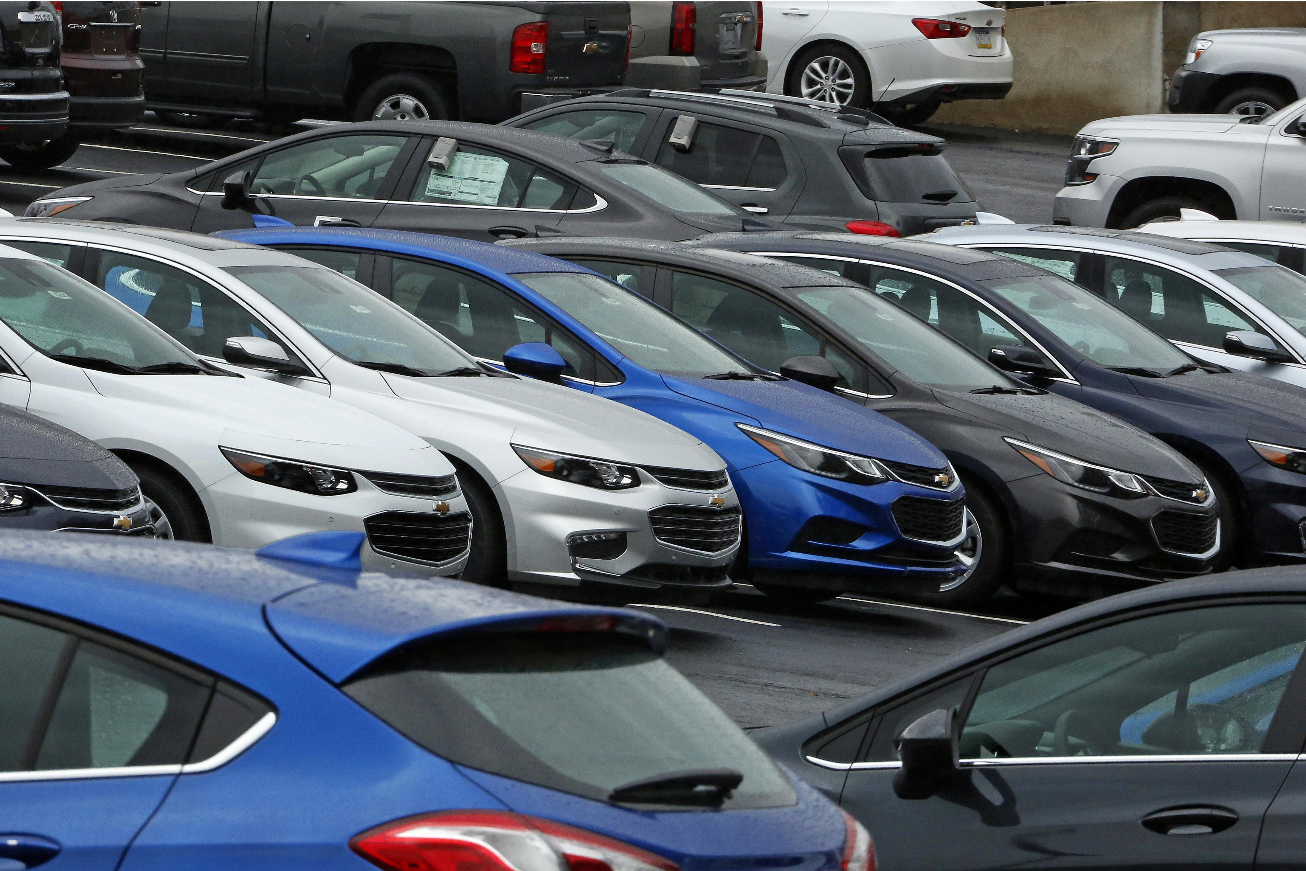 Auto sales fall 6 straight months stay near record levels