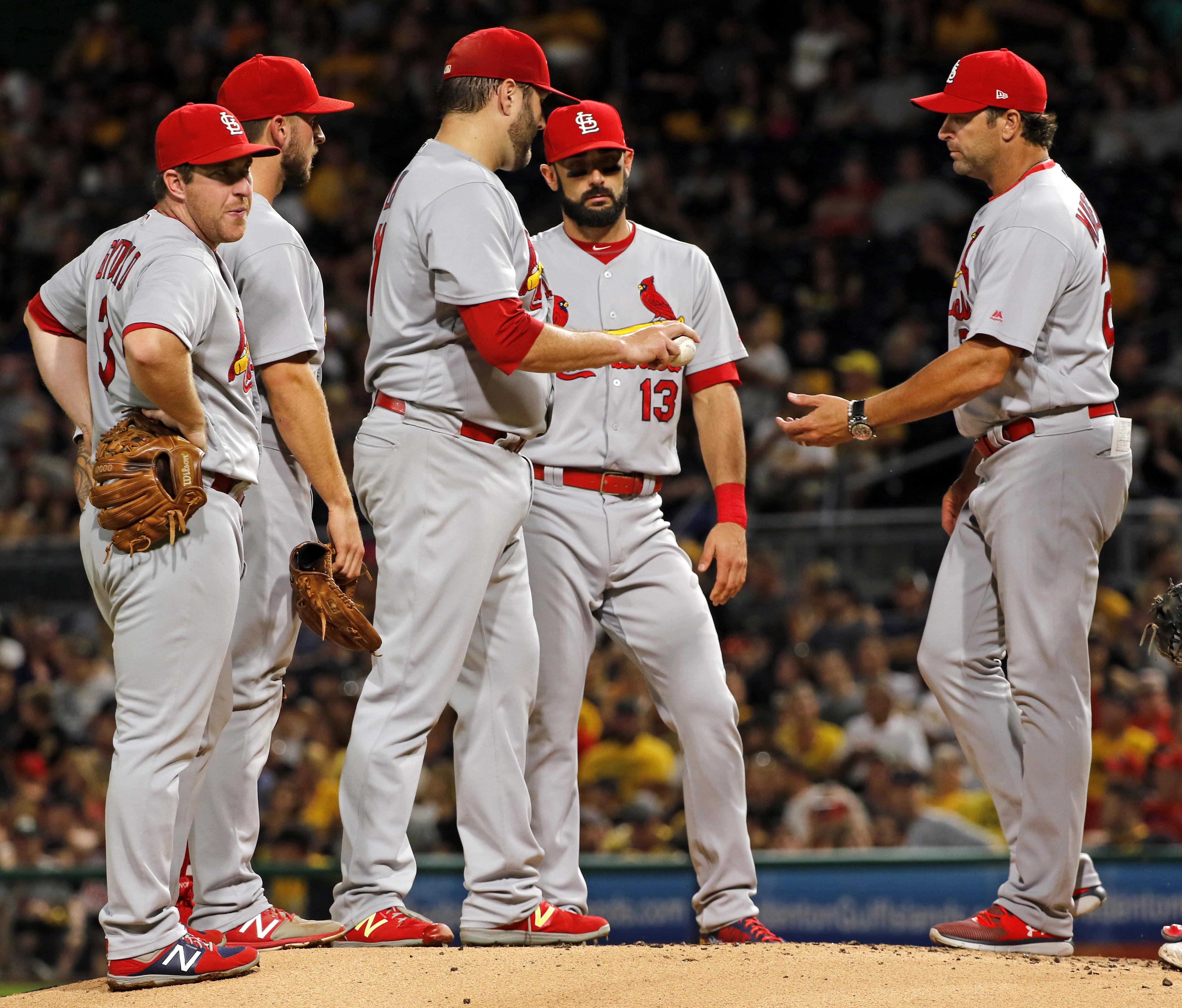 Cardinals_pirates_baseball_66356