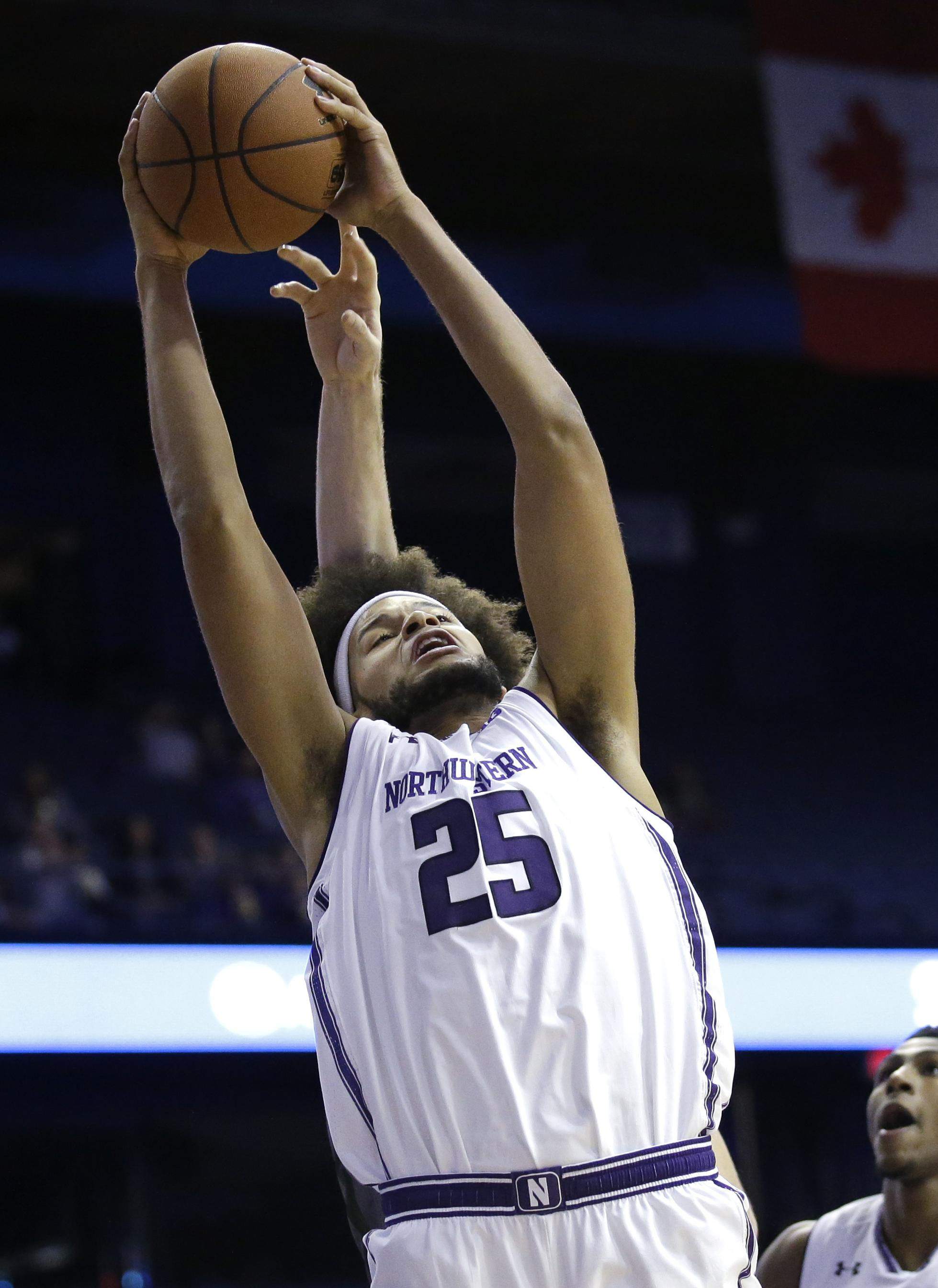 Lindsey scores 26 points as Northwestern beats Loyola (Md