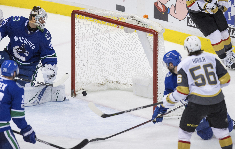 Golden_knights_canucks_hockey_46499