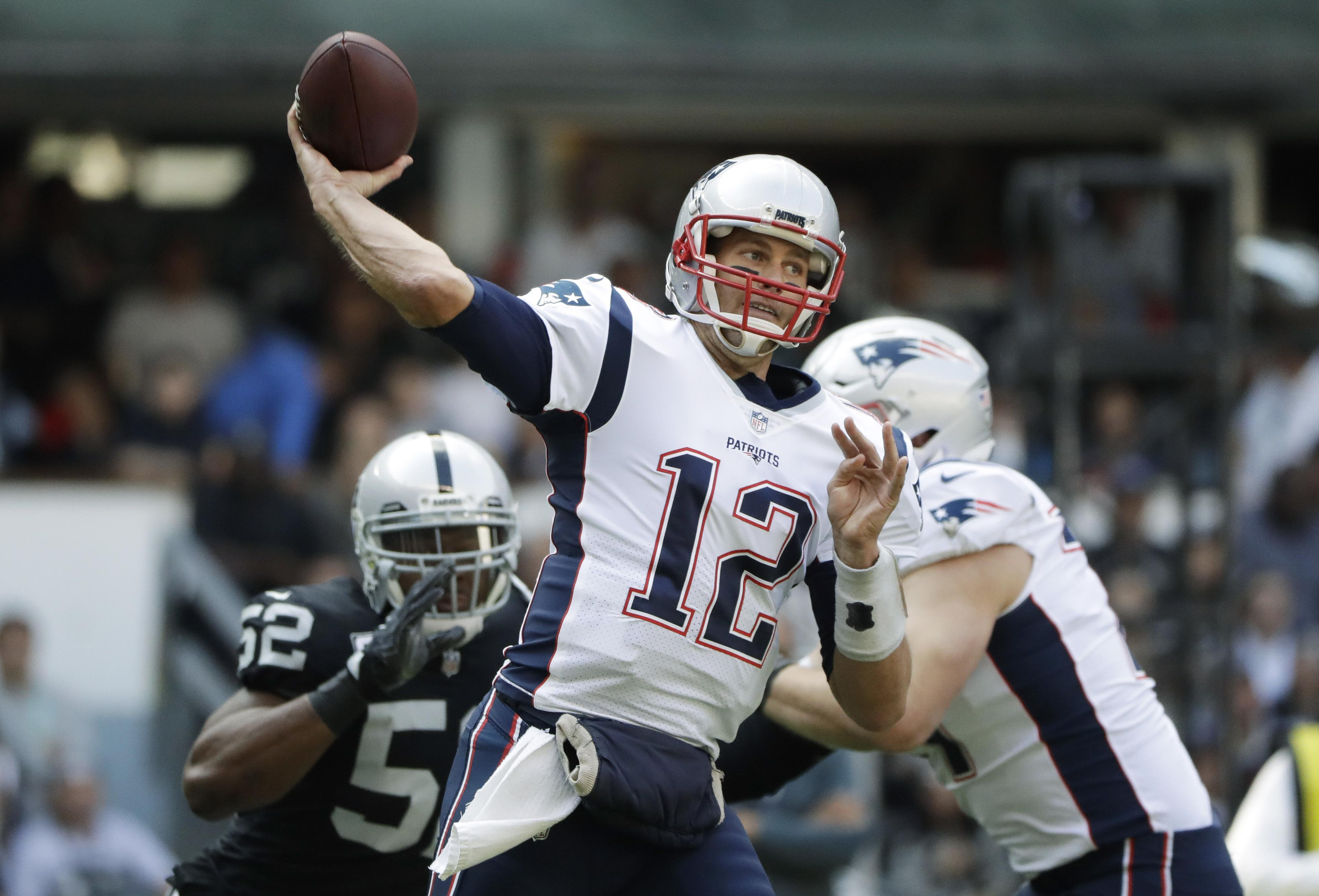 54cb9c756 Brady picks apart Raiders in Patriots  33-8 win in Mexico - Washington Times