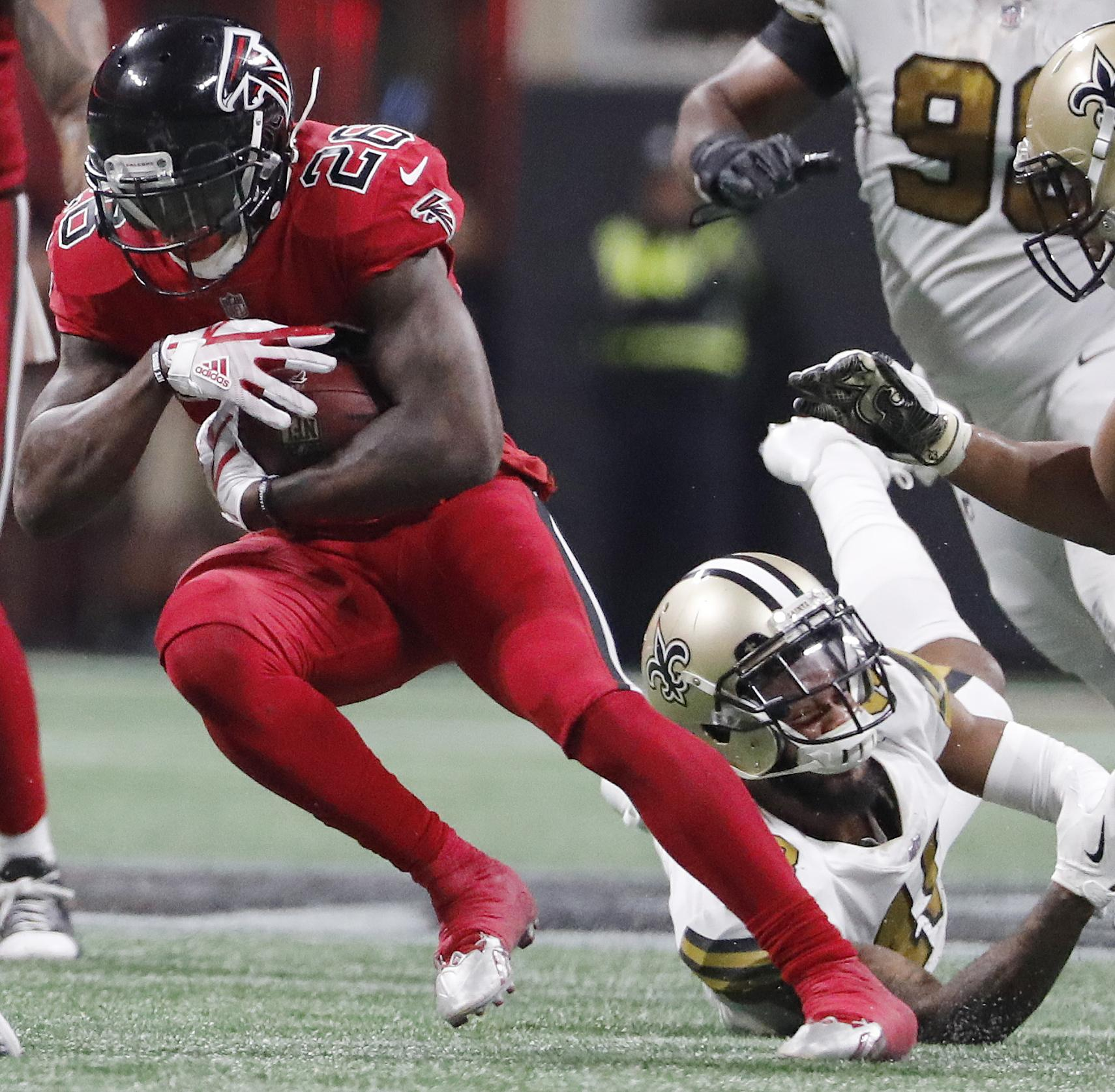Saints_falcons_football_33223