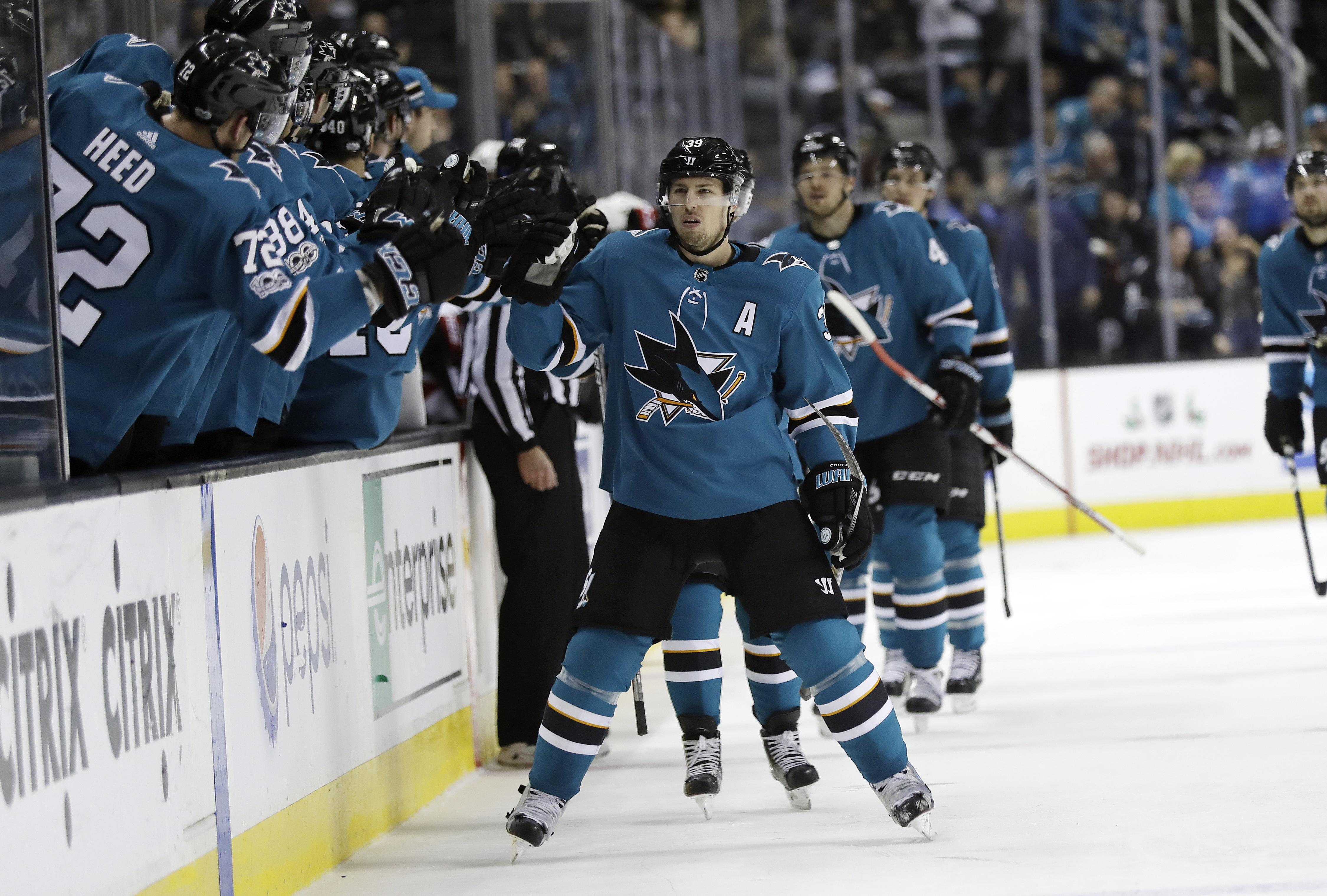 Senators_sharks_hockey_07998