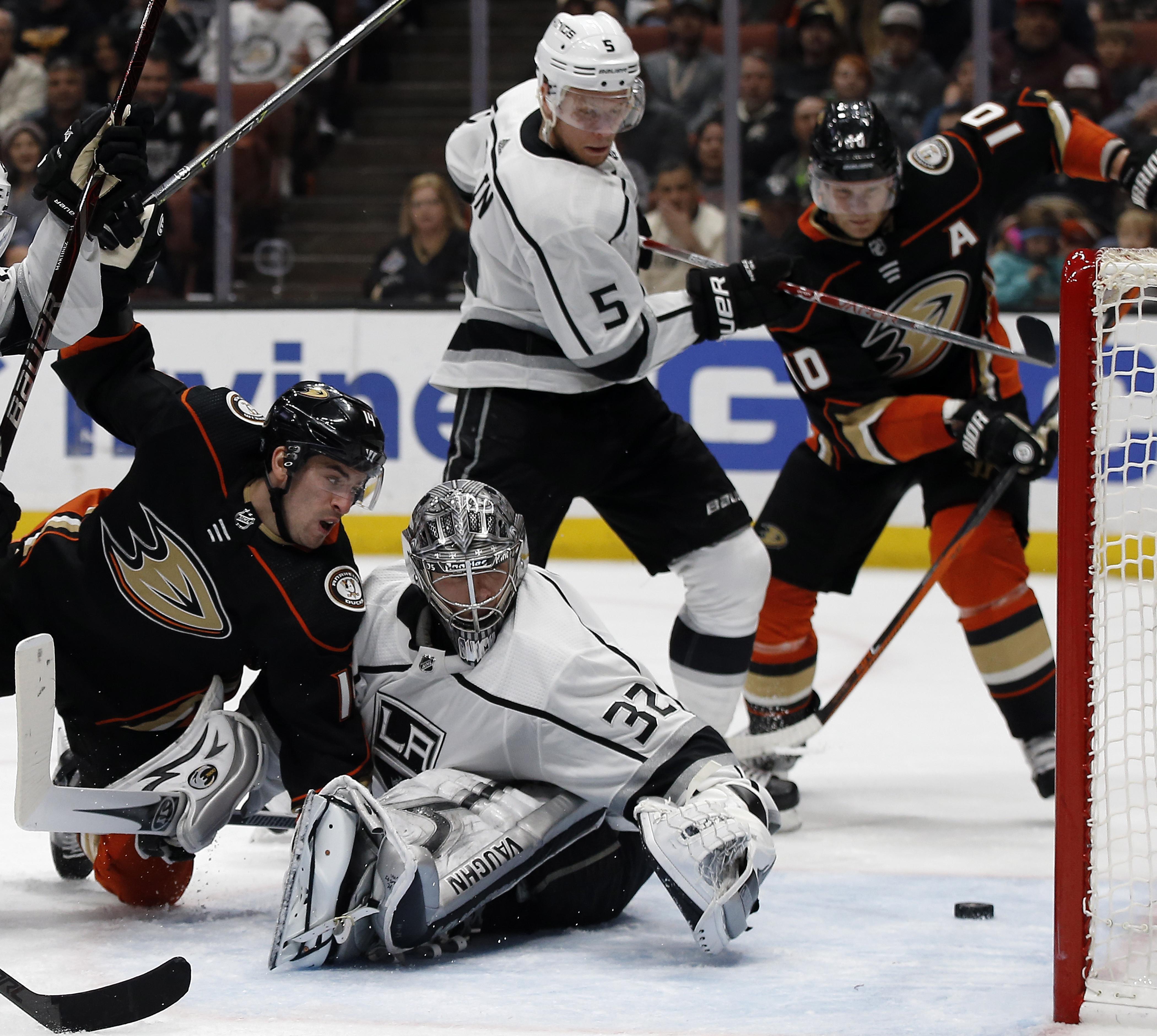 Kings_ducks_hockey_96191