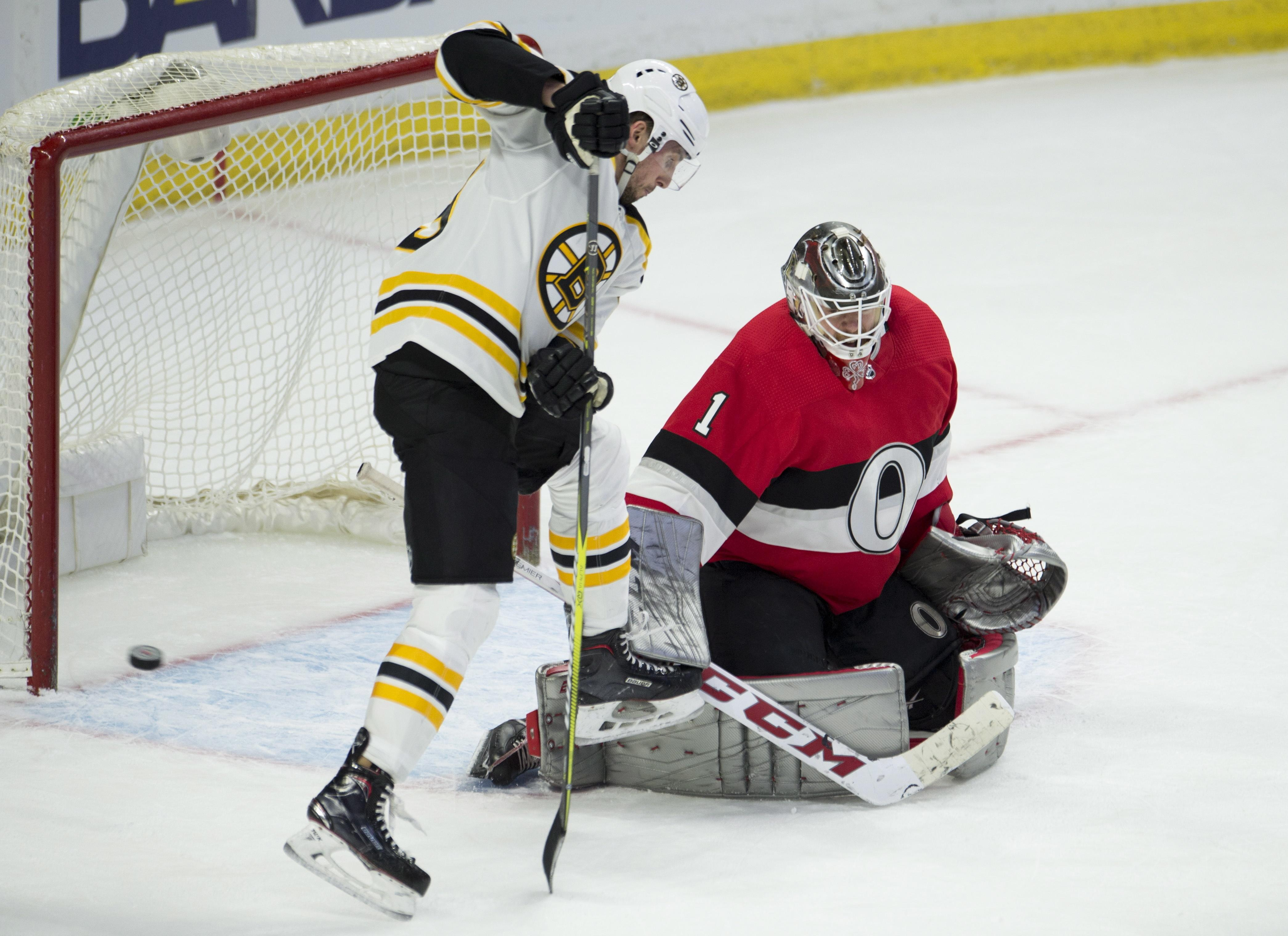Bruins_senators_hockey_15985