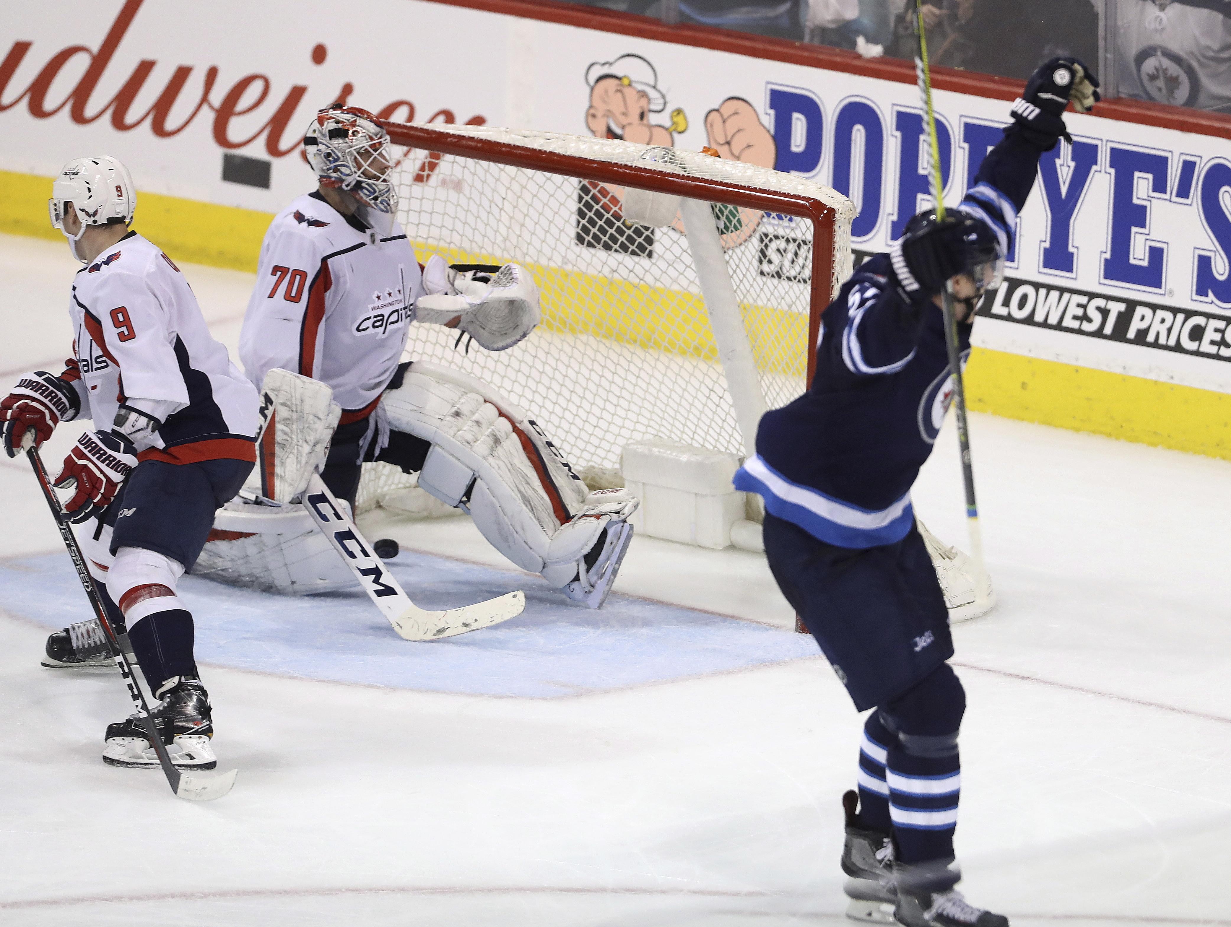 Capitals_jets_hockey_72171