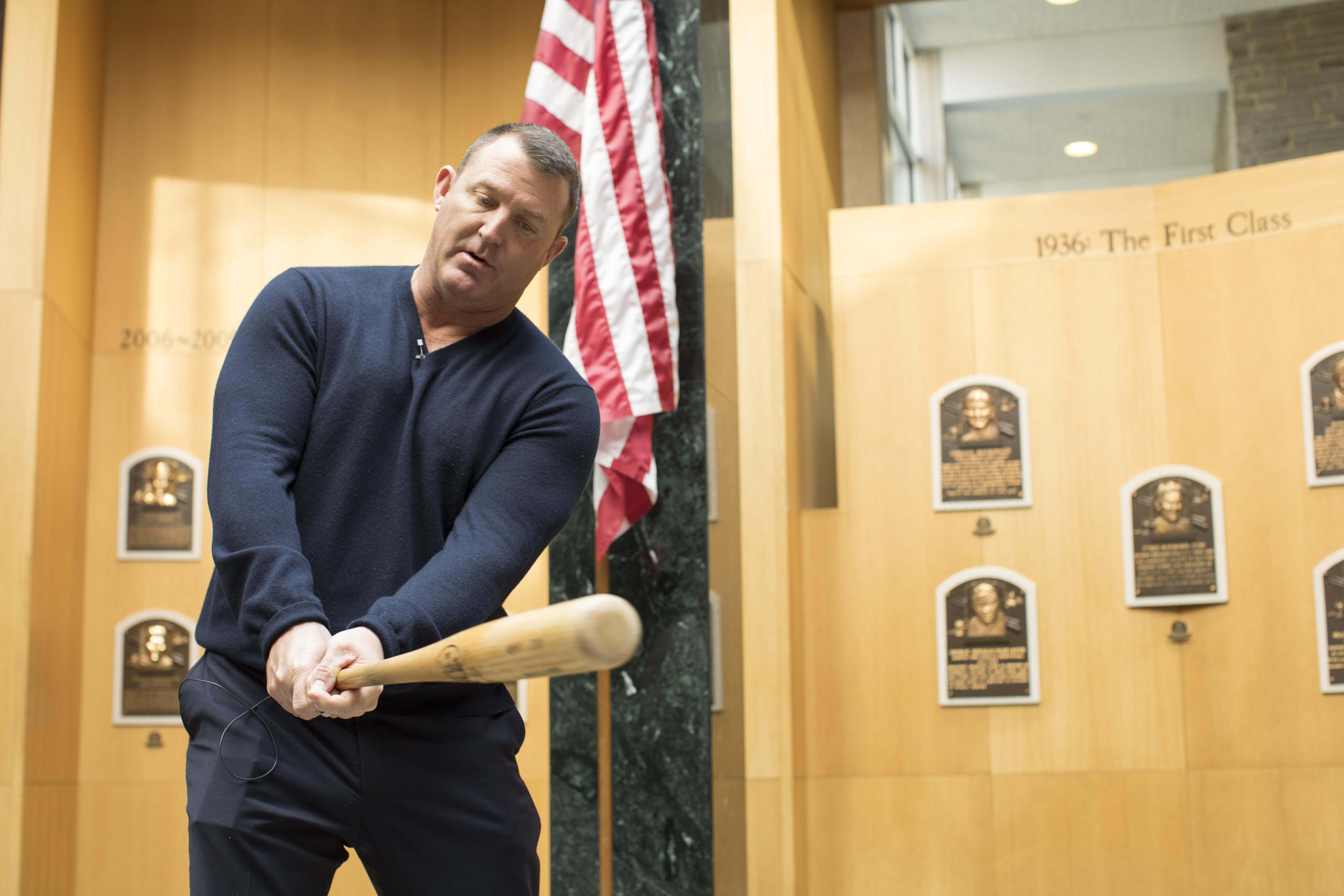 Hall_of_fame_thome_baseball_75594
