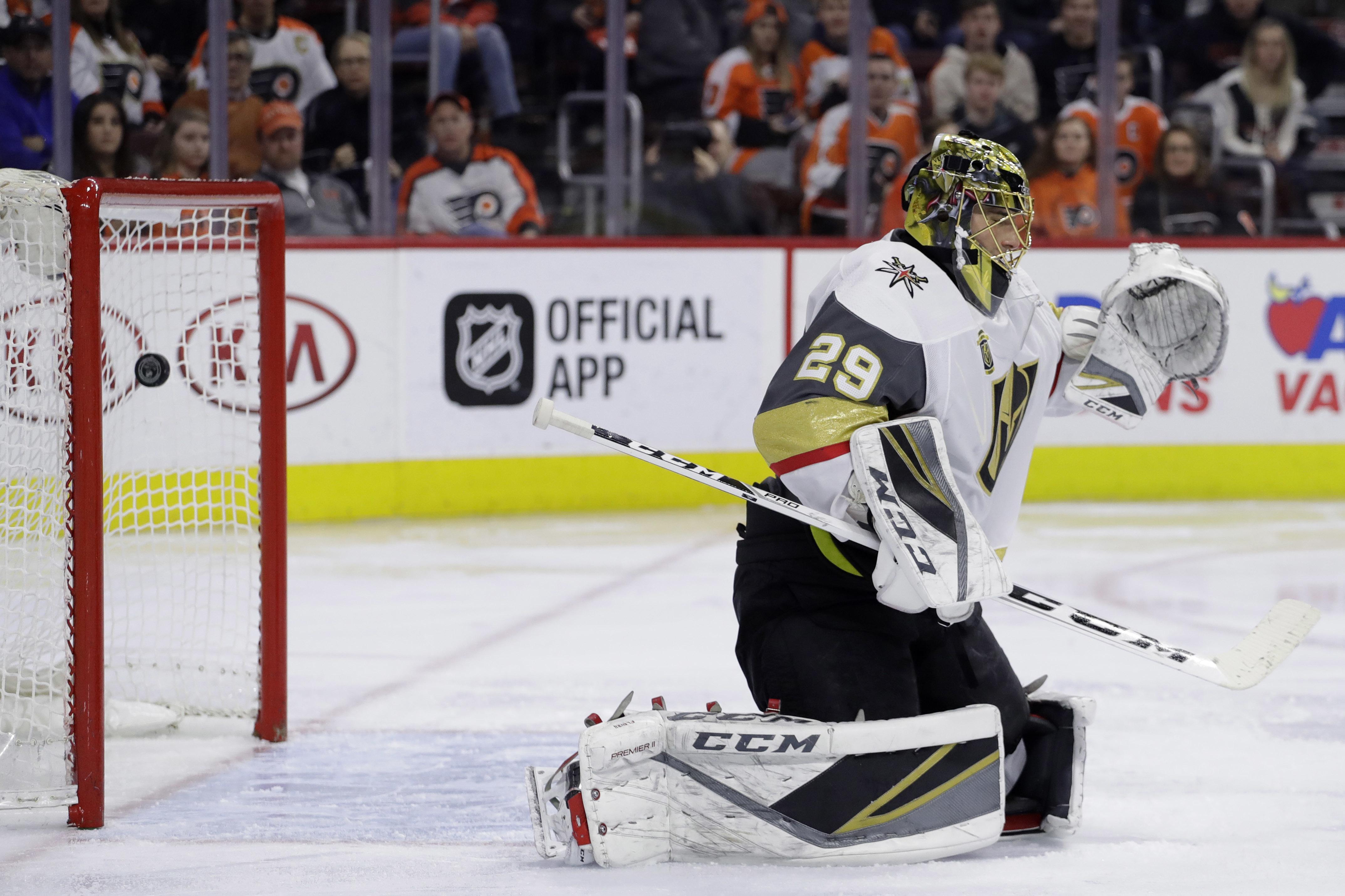 Golden_knights_flyers_hockey_31855