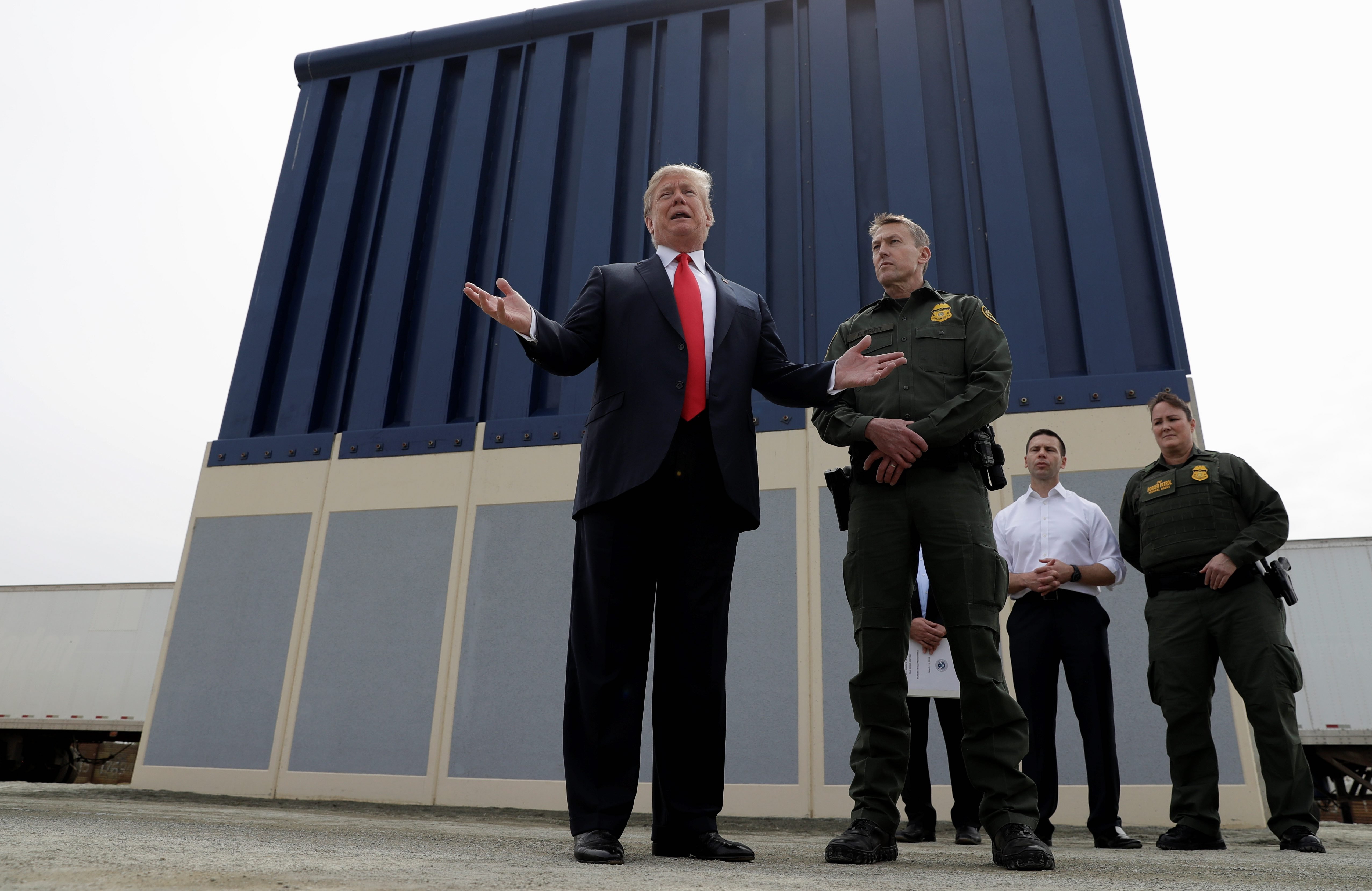 Donald Trump says wall will stop '99.5 percent' of illegal traffic