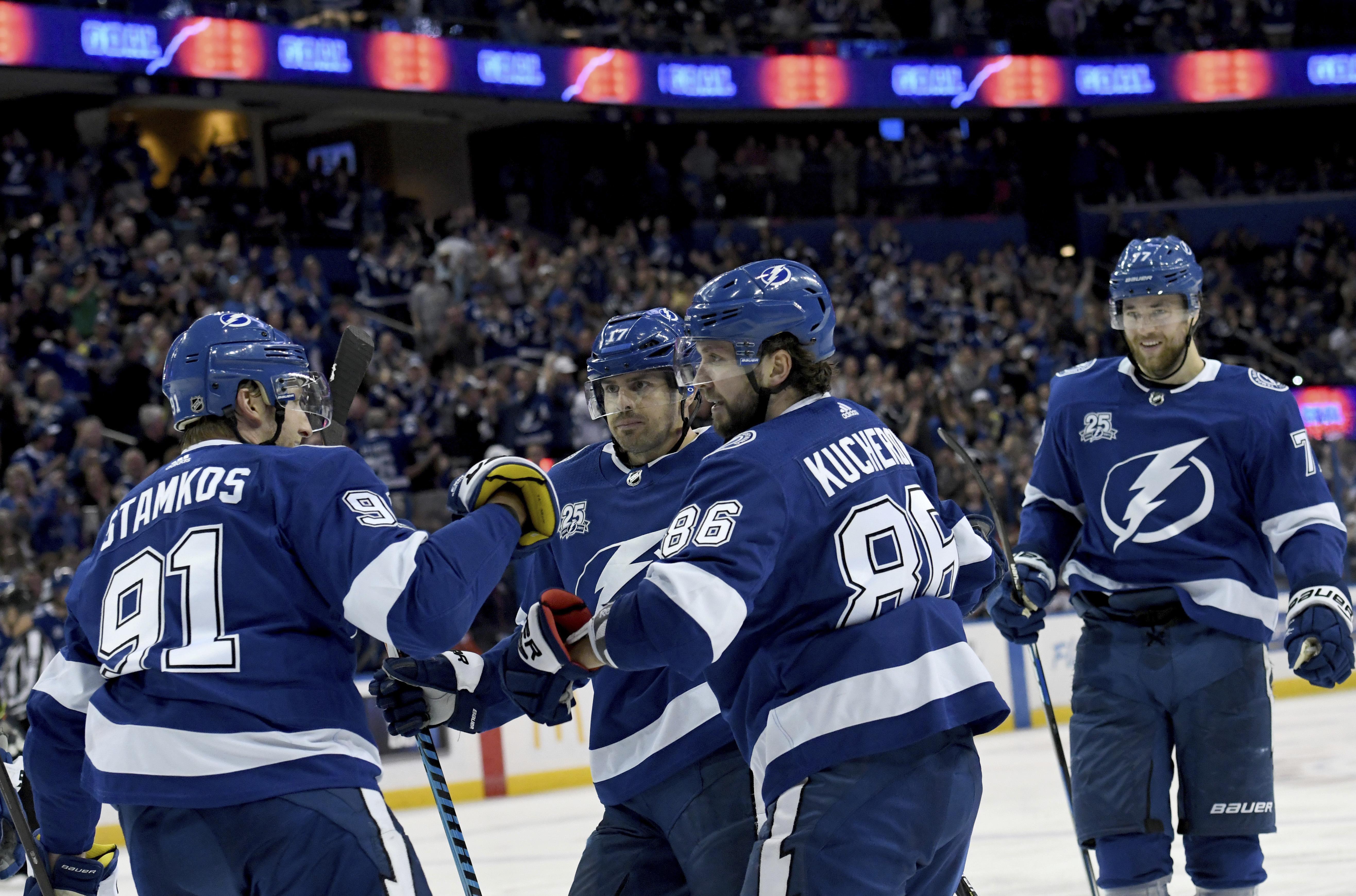 Oilers_lightning_hockey_32035