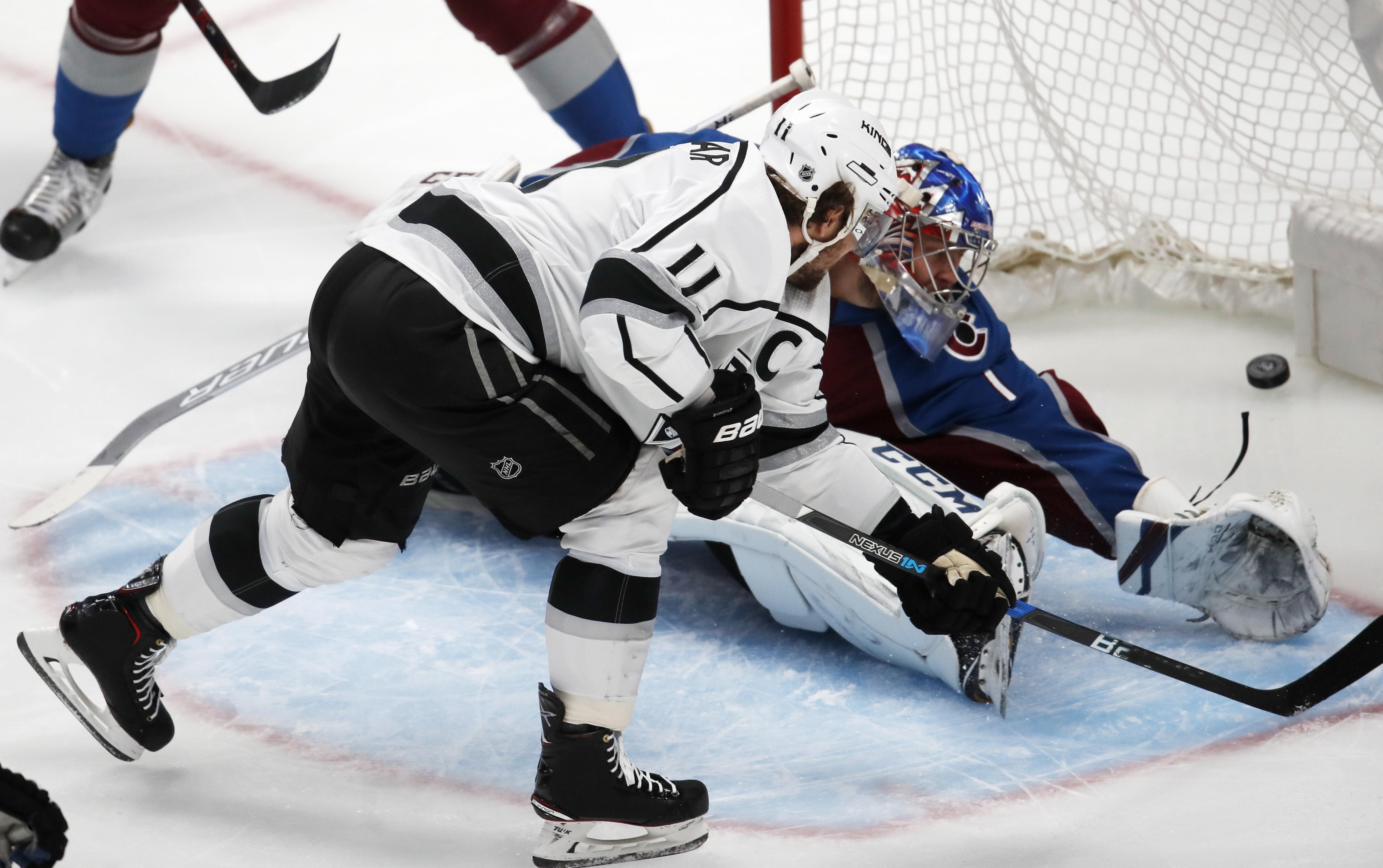 Kings_avalanche_hockey_37841