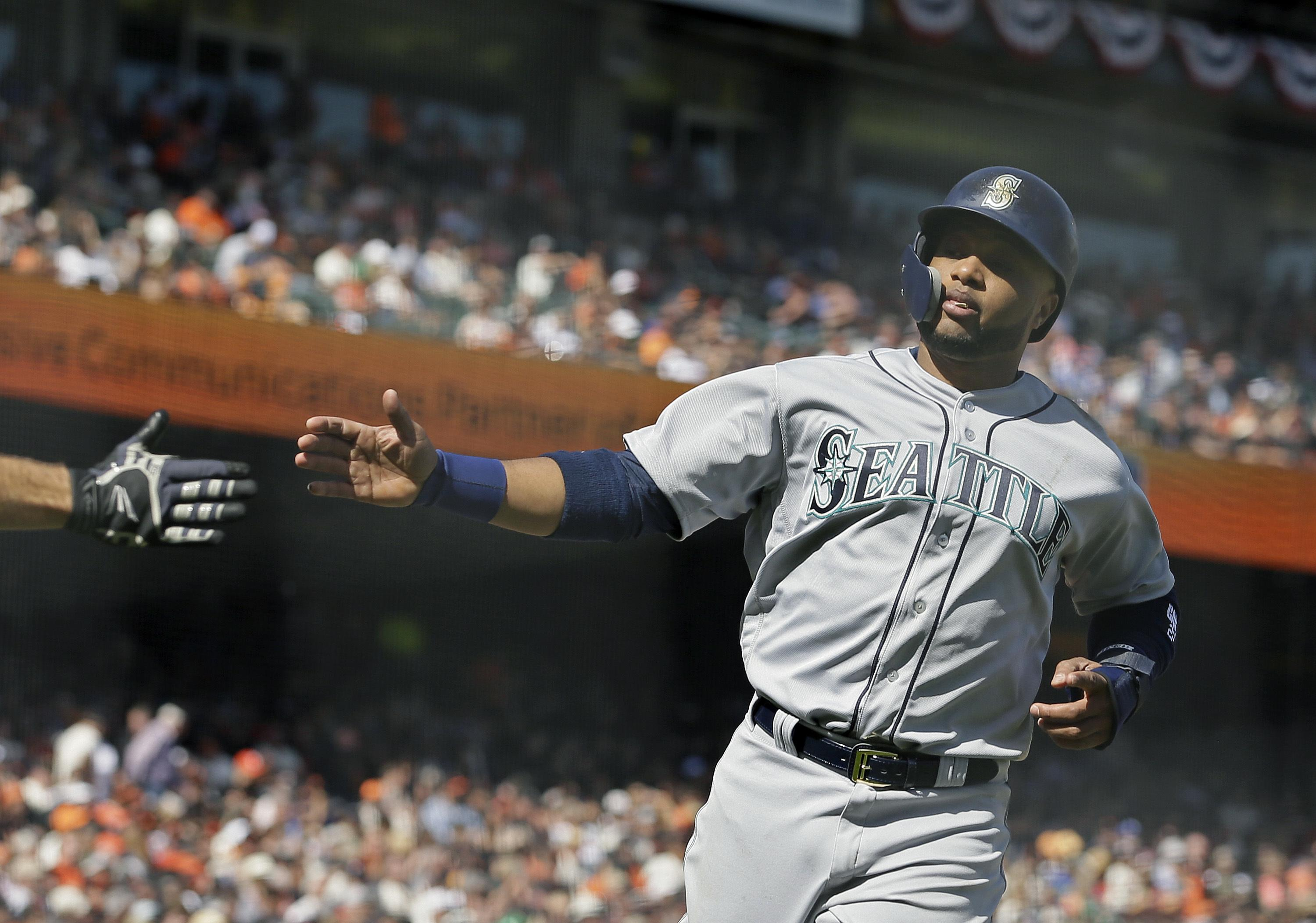wholesale dealer 0ce83 61138 Mets get Robinson Cano, Edwin Diaz and cash from Mariners in ...