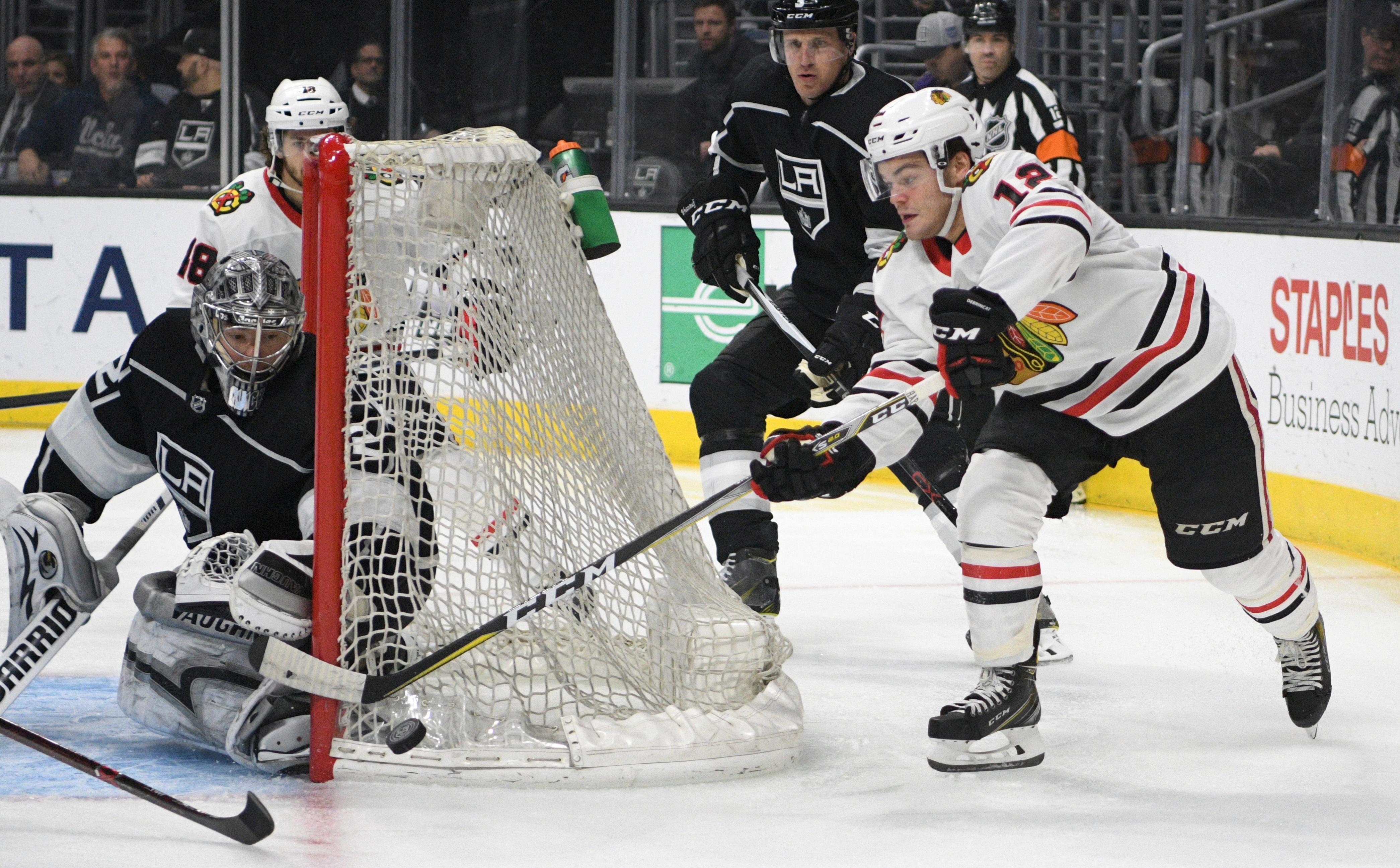 Blackhawks_wrapup_hockey_29707