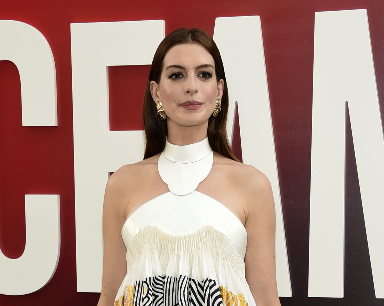 Anne Hathaway blasts 'complicity of the white women' behind Ala. abortion ban