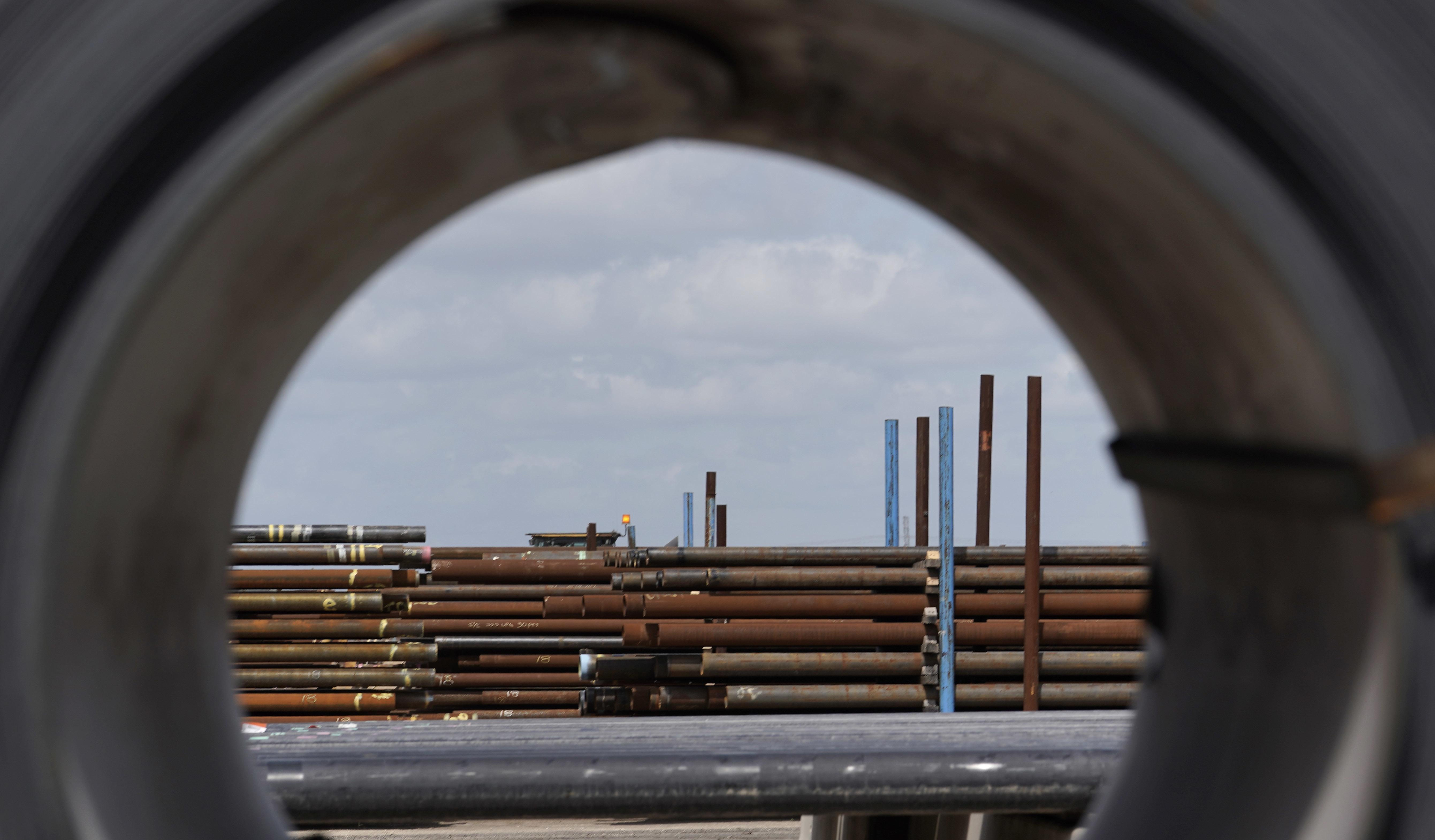 U.S. steel imports fall sharply in 2019 after Trump tariffs