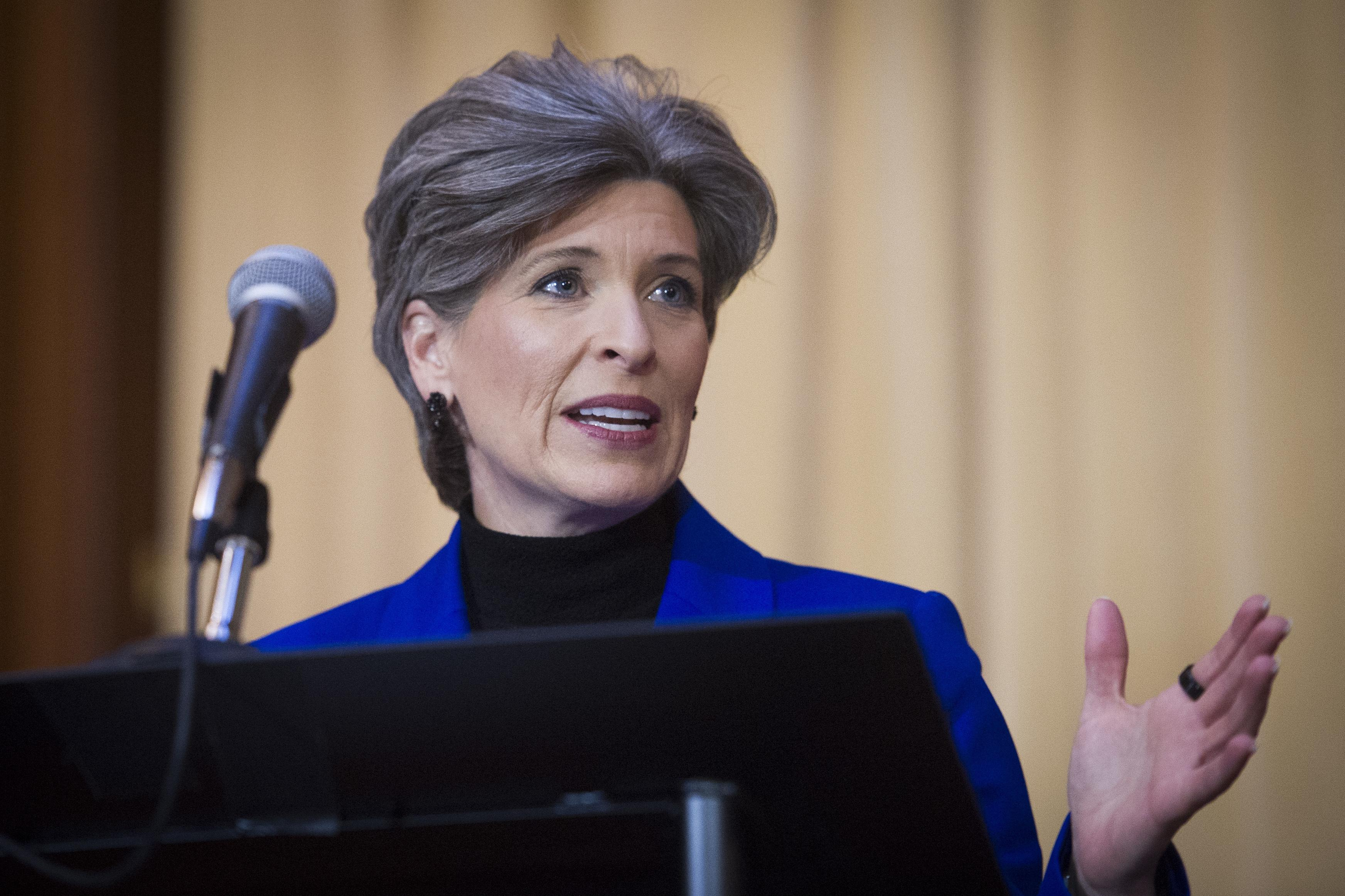 Sens. Ernst, Romney call for investigation into Trump rape accusation