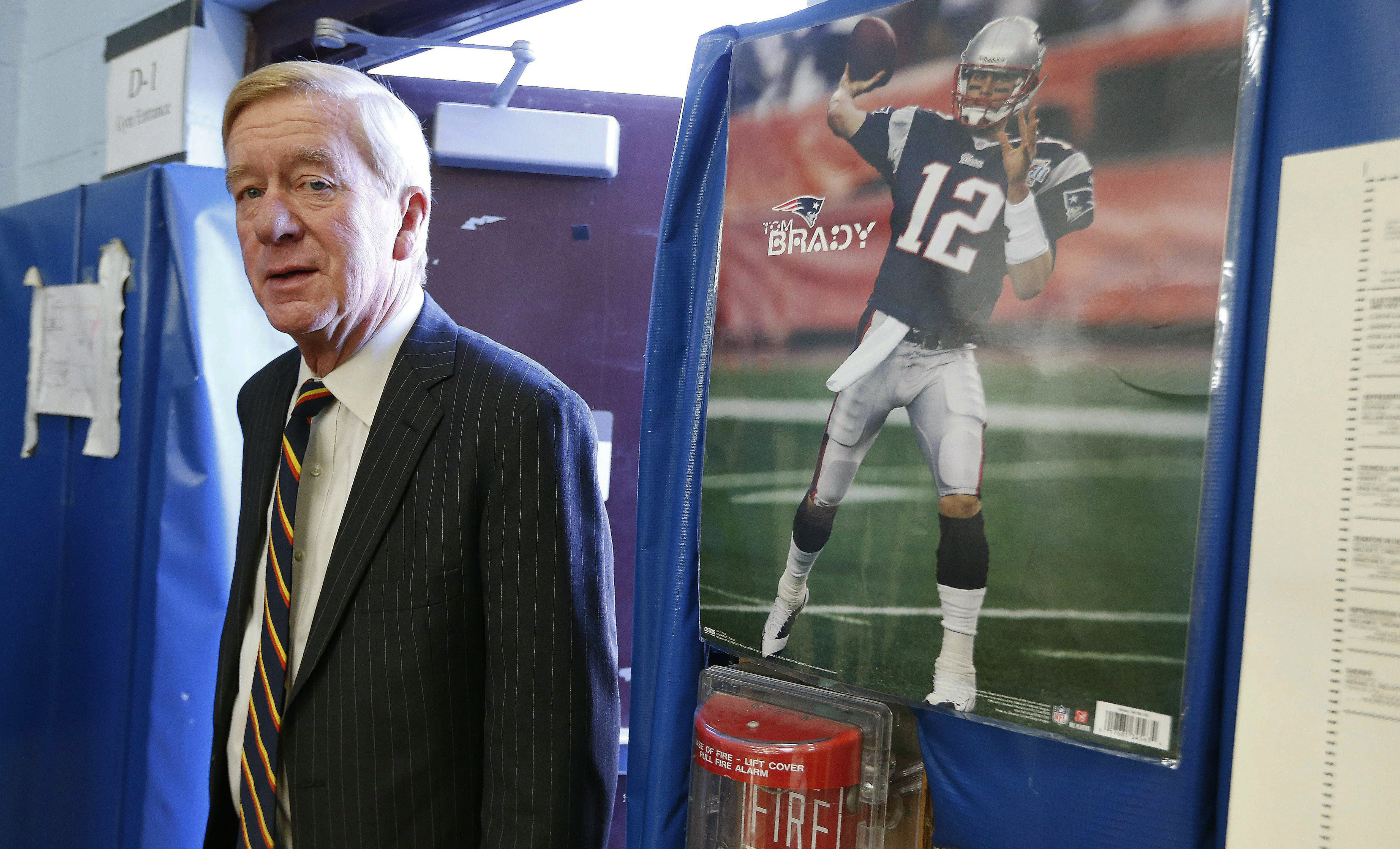 Bill Weld, GOP primary challenger to Trump, wants to disclose presidential tax returns