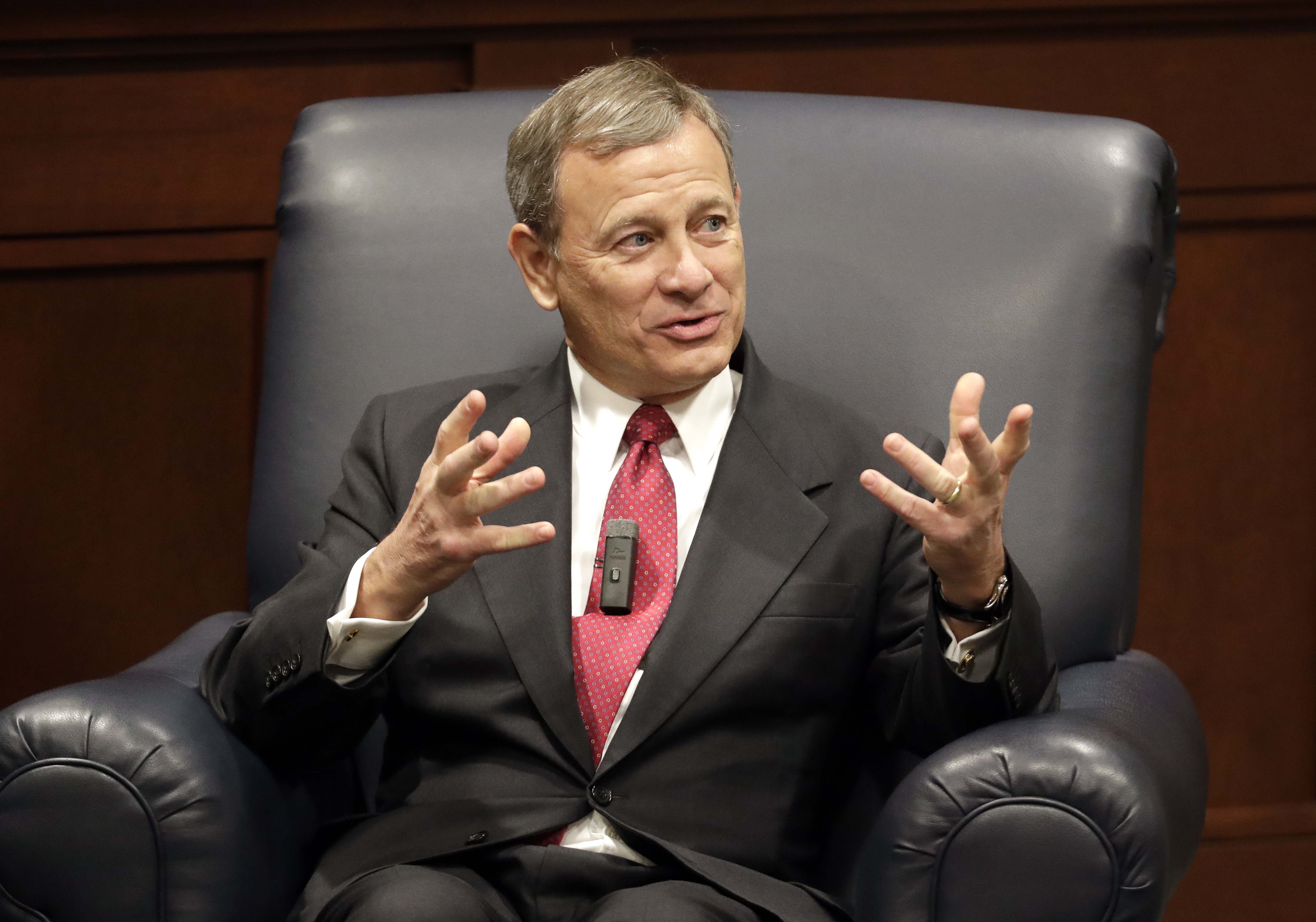 John Roberts joins liberal justices as Supreme Court blocks Louisiana abortion clinic law