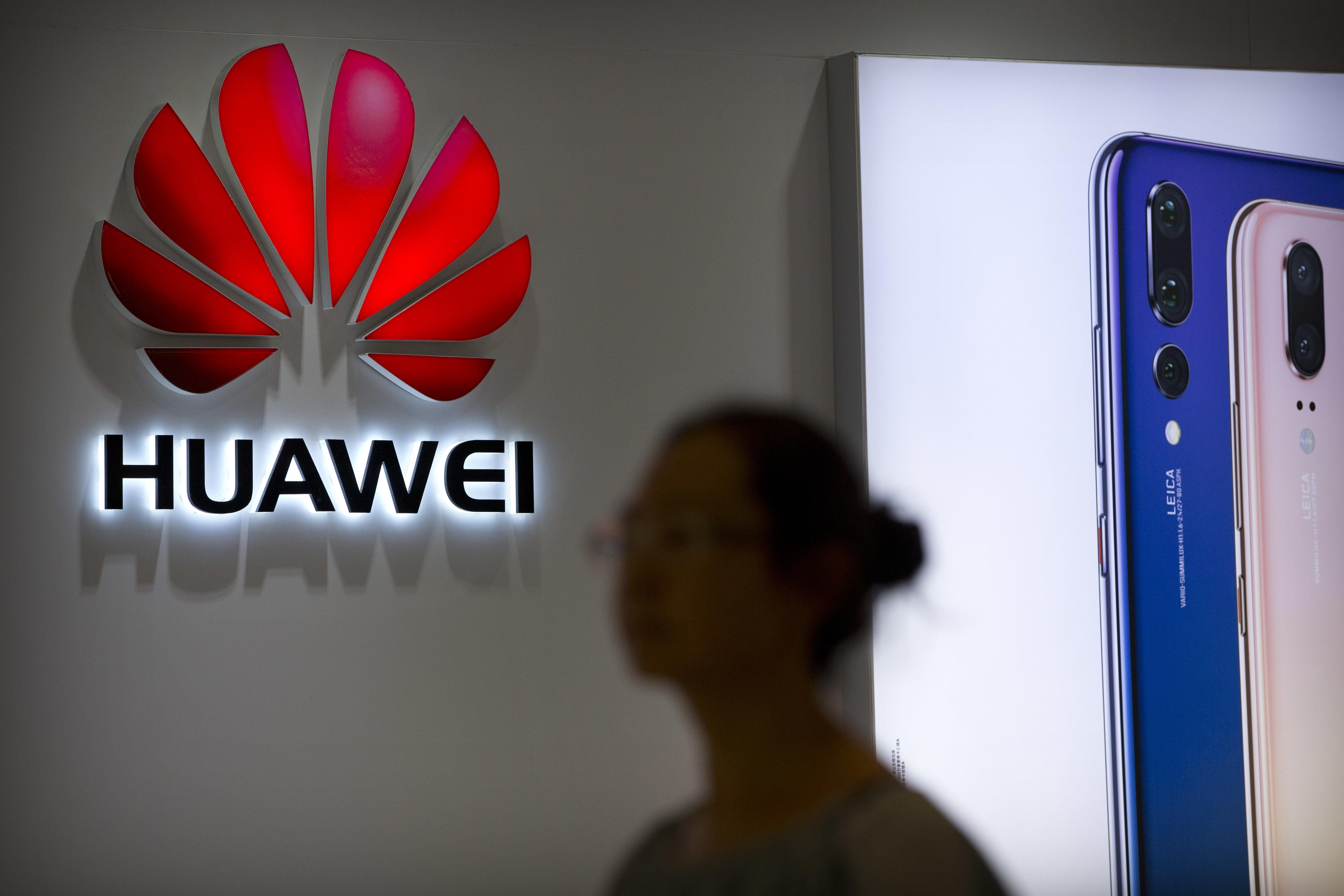 China's Huawei to help Canada's far north link to internet despite