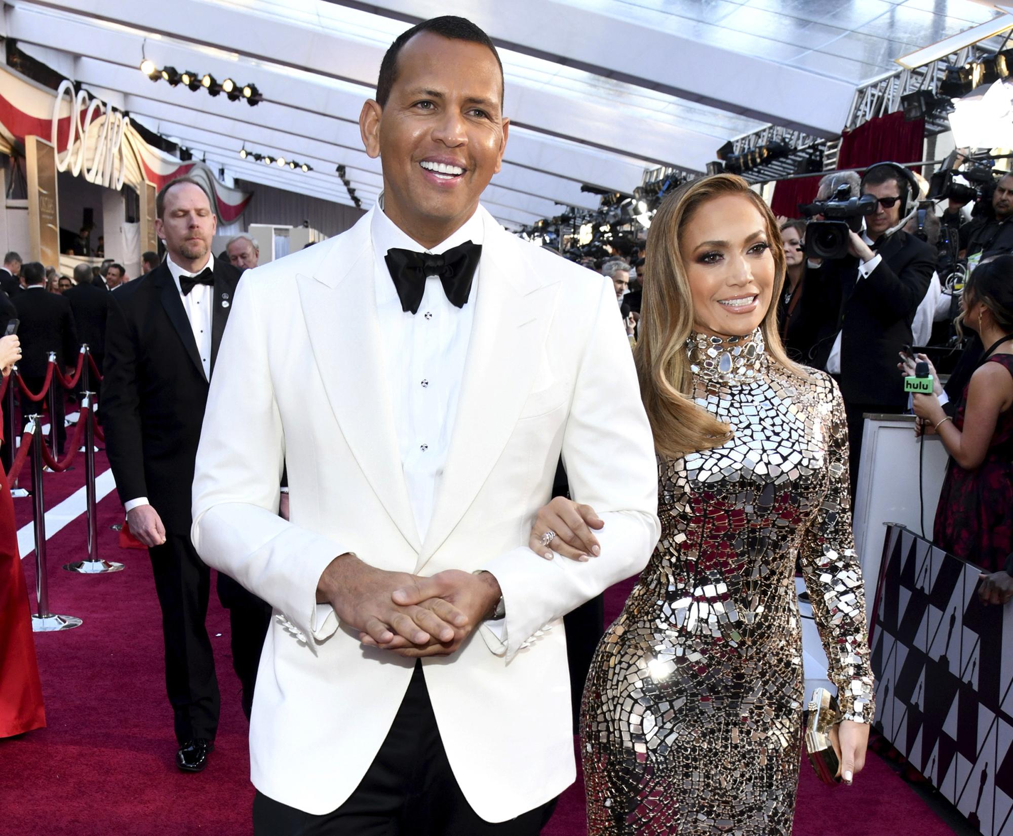 Jennifer Lopez, Alex Rodriguez engaged to be married