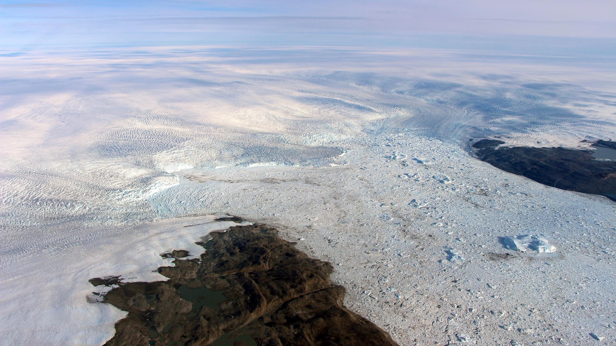 Shrinking Greenland glacier surprises climate scientists with growth