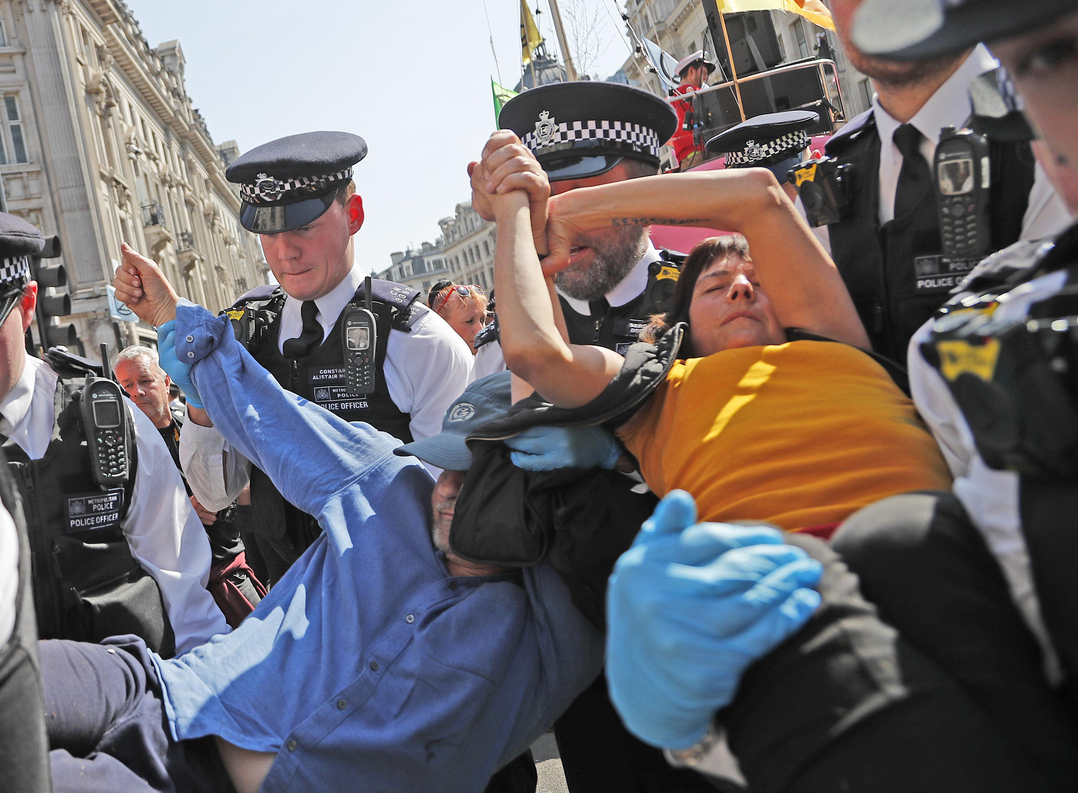 Climate protests close London bridge; 570 arrests in 4 days