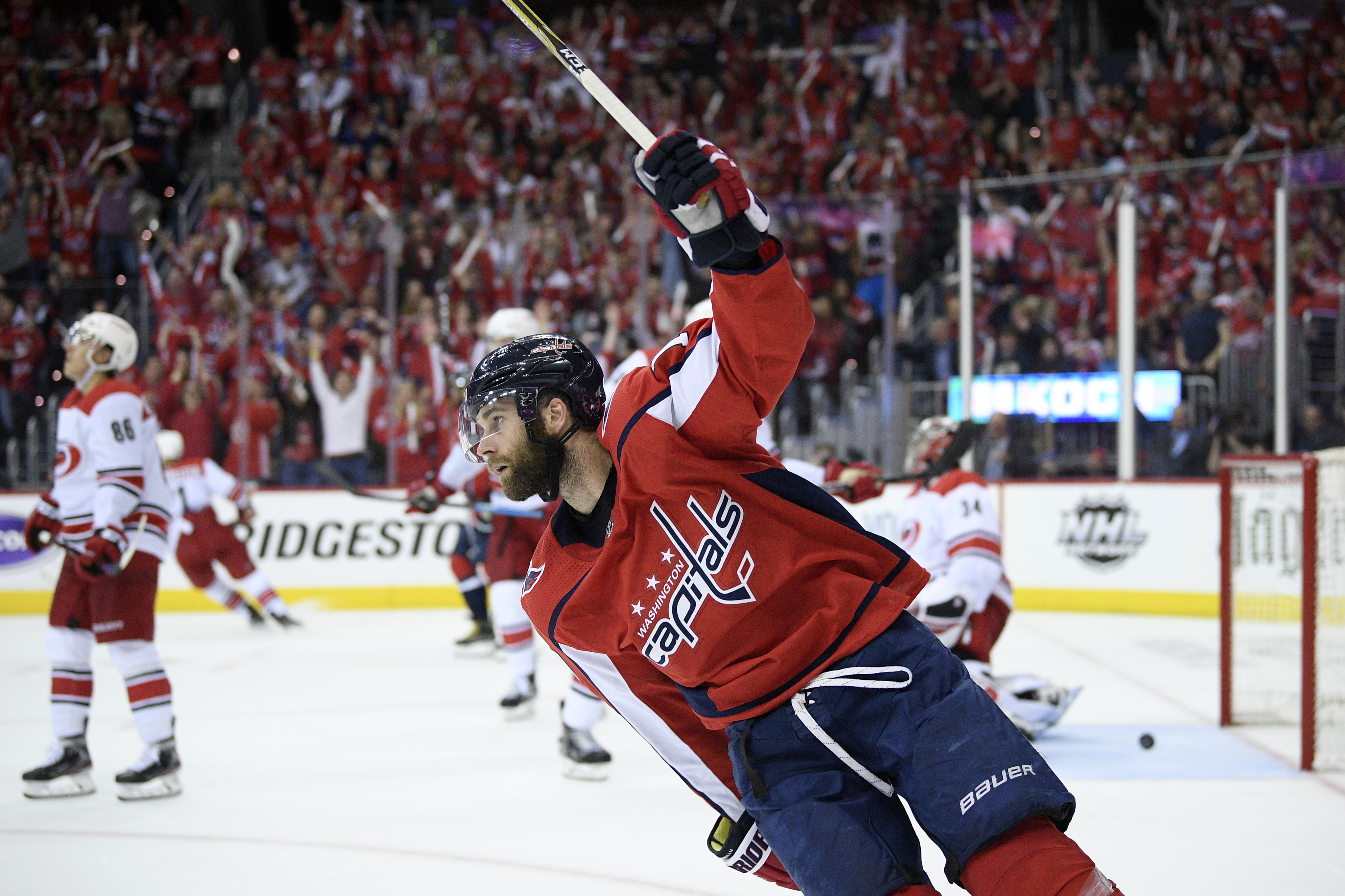 Capitals rediscover elite form, drub Hurricanes to take series lead