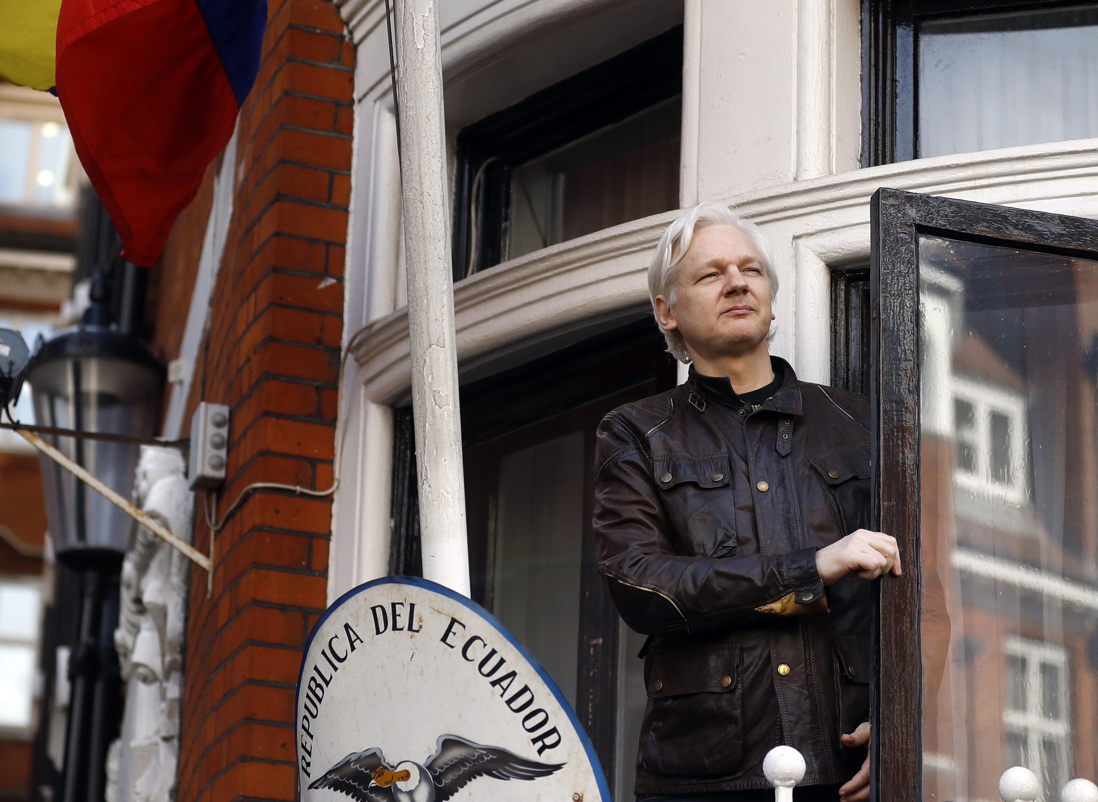 Feds charge Wikileaks founder Julian Assange in aiding Chelsea Manning to leak classified material