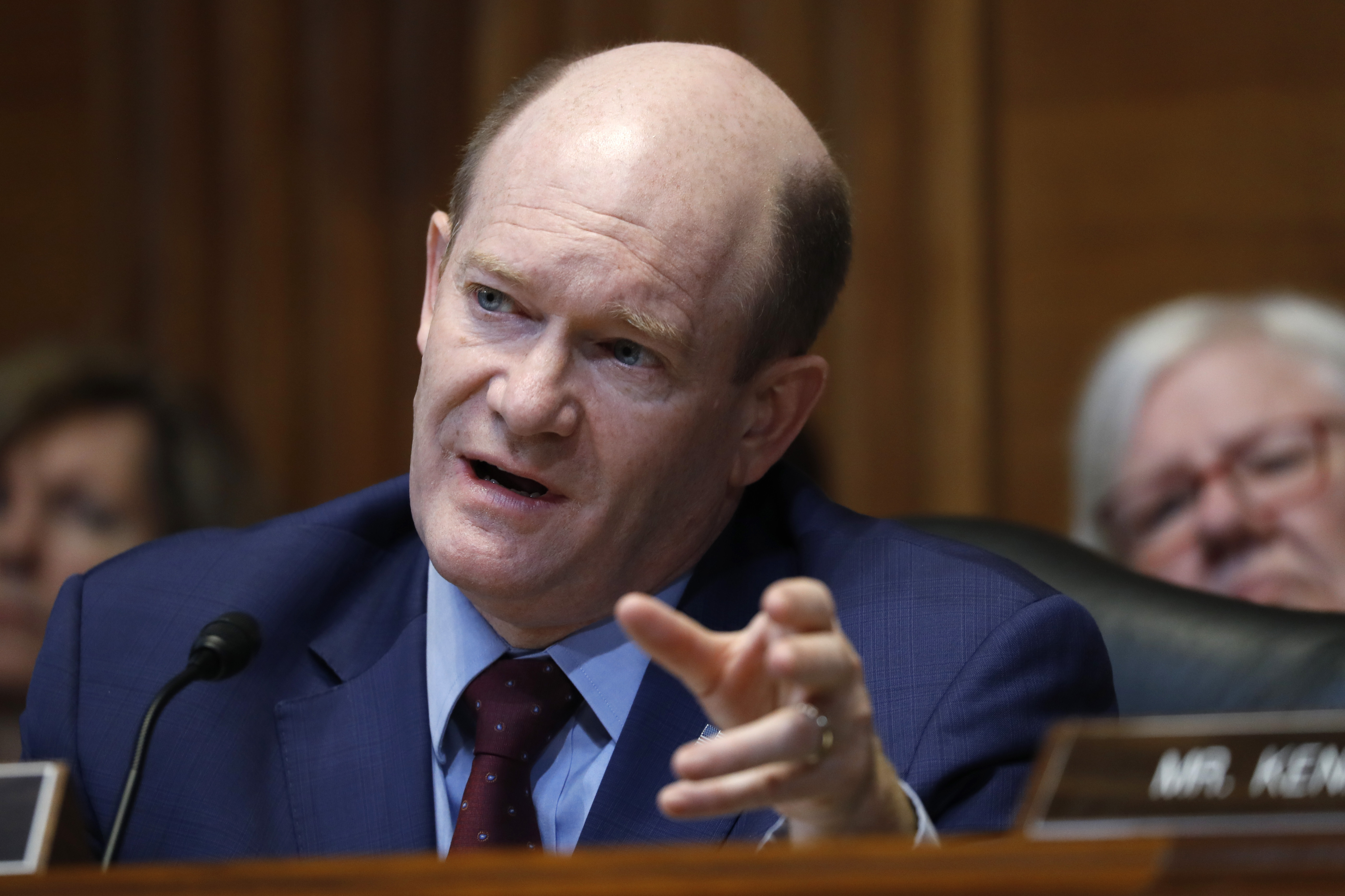 Chris Coons: Republicans say privately Mueller report shows Donald Trump obstructed justice